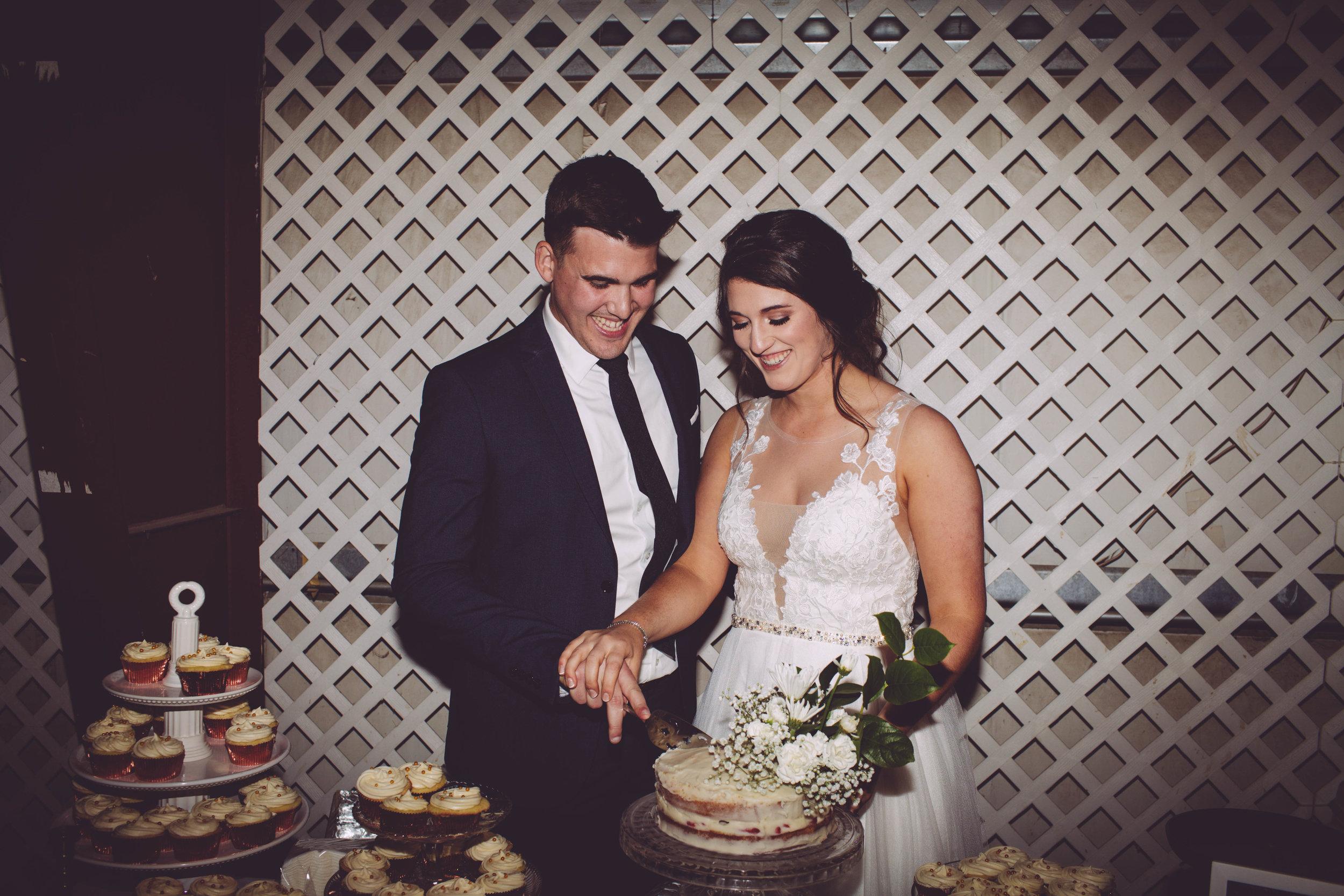 bride and groom cake spoke wedding