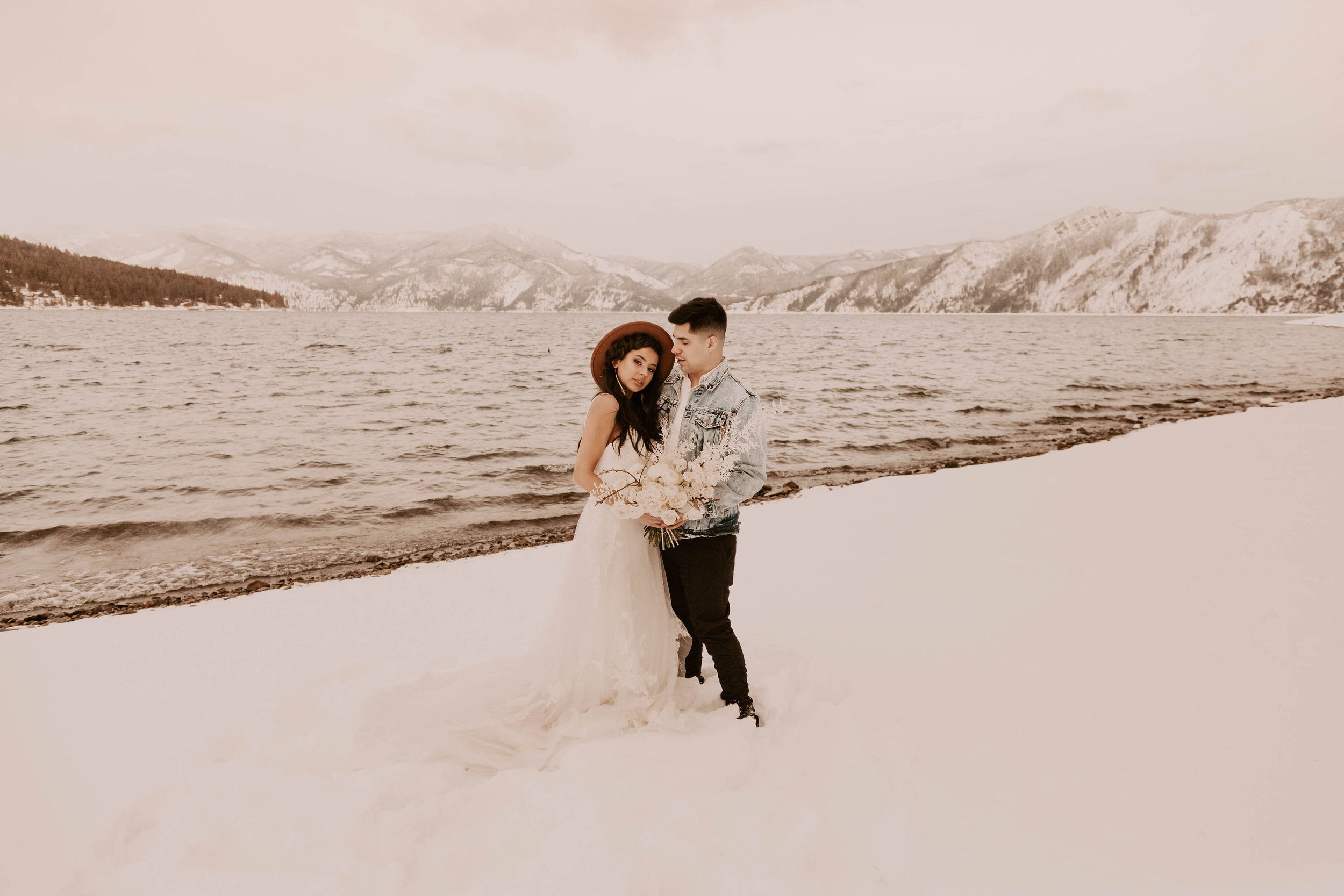 winter couple wedding spokane dress