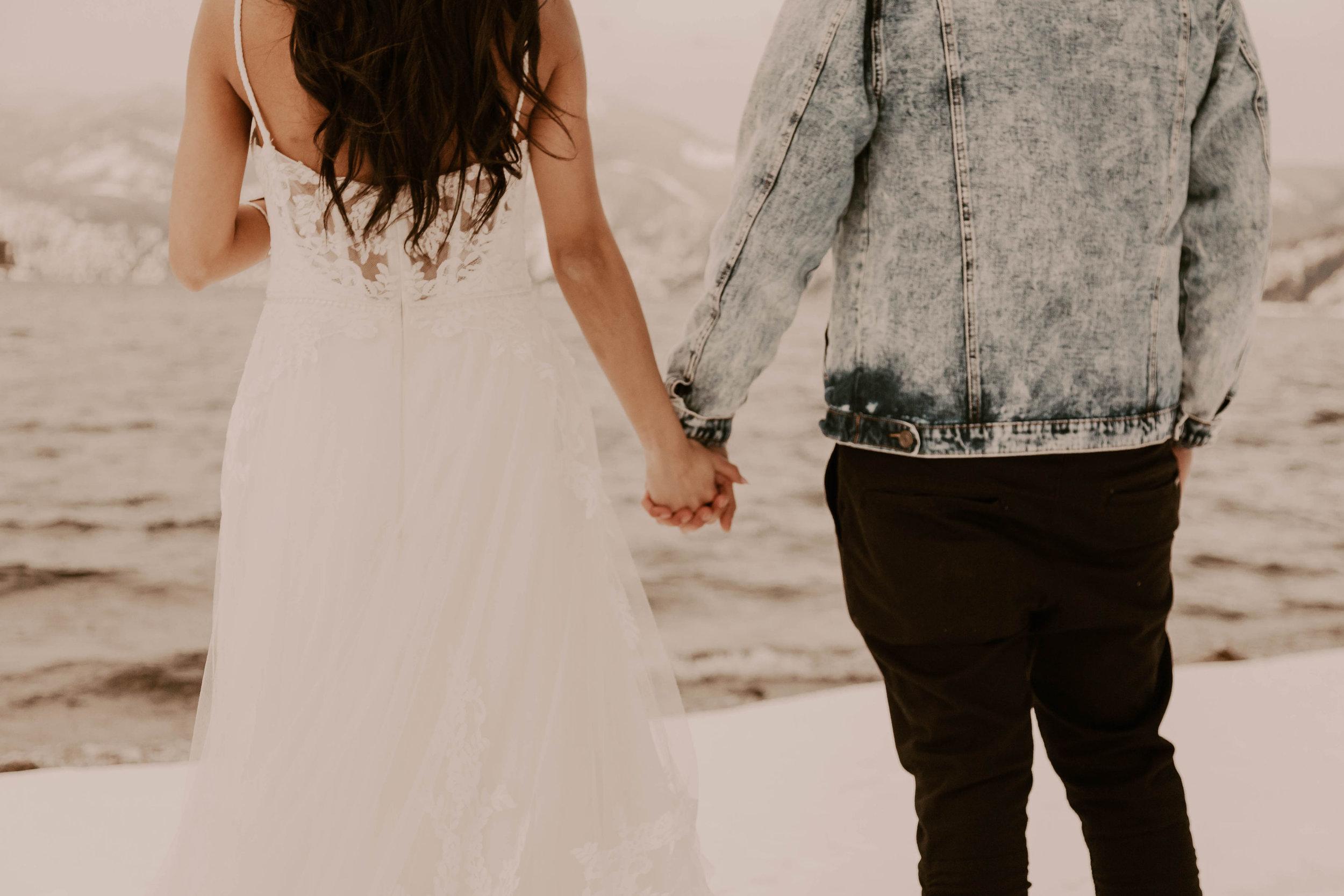 winter wedding spokane idaho wedding dress