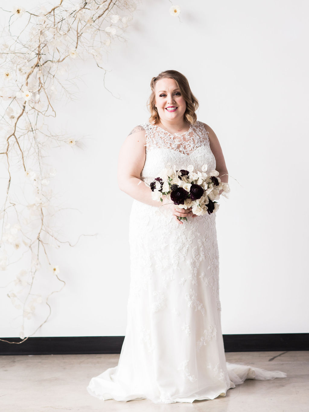Plus size bride wedding dress bride