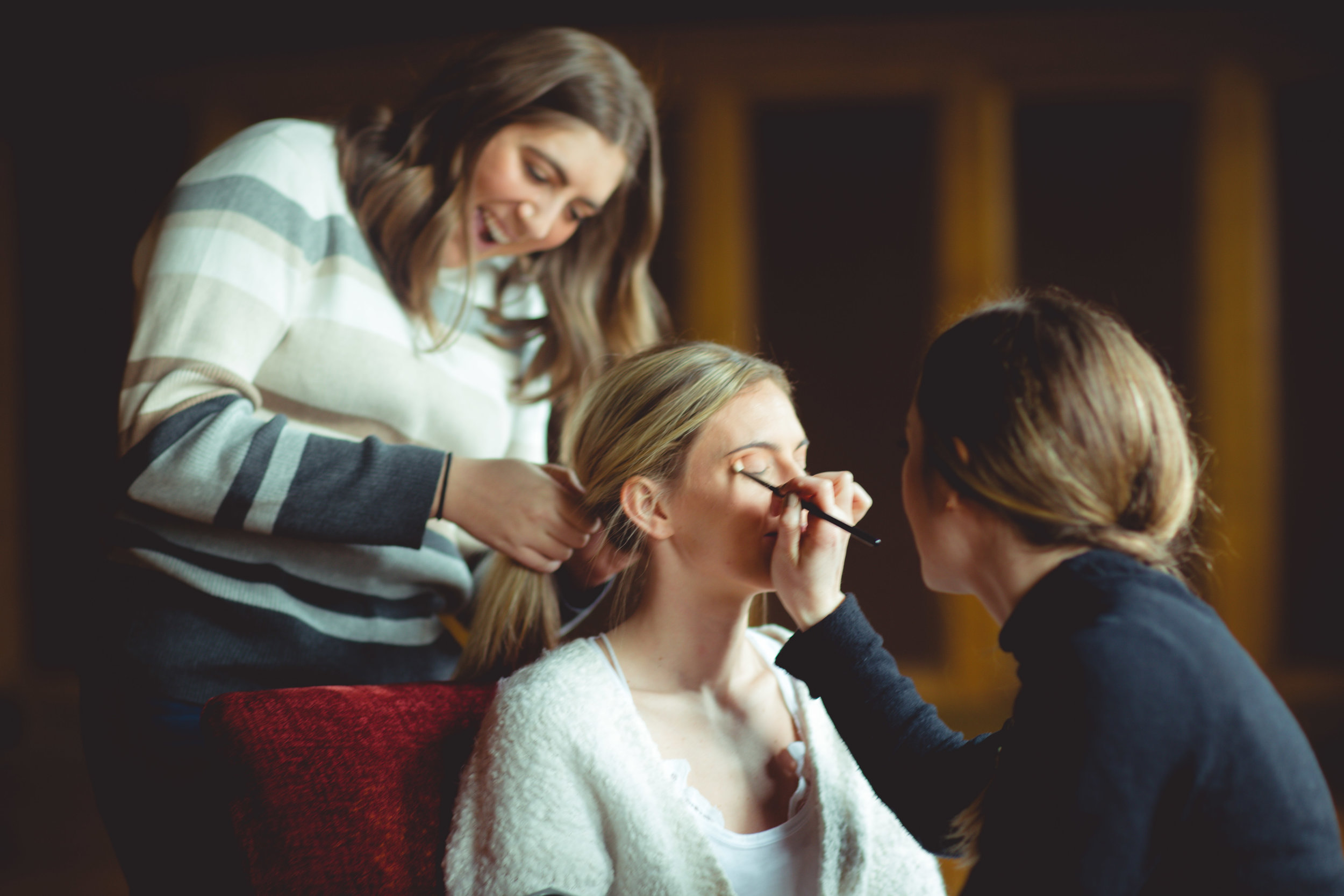 bride getting ready for wedding spokane makeup