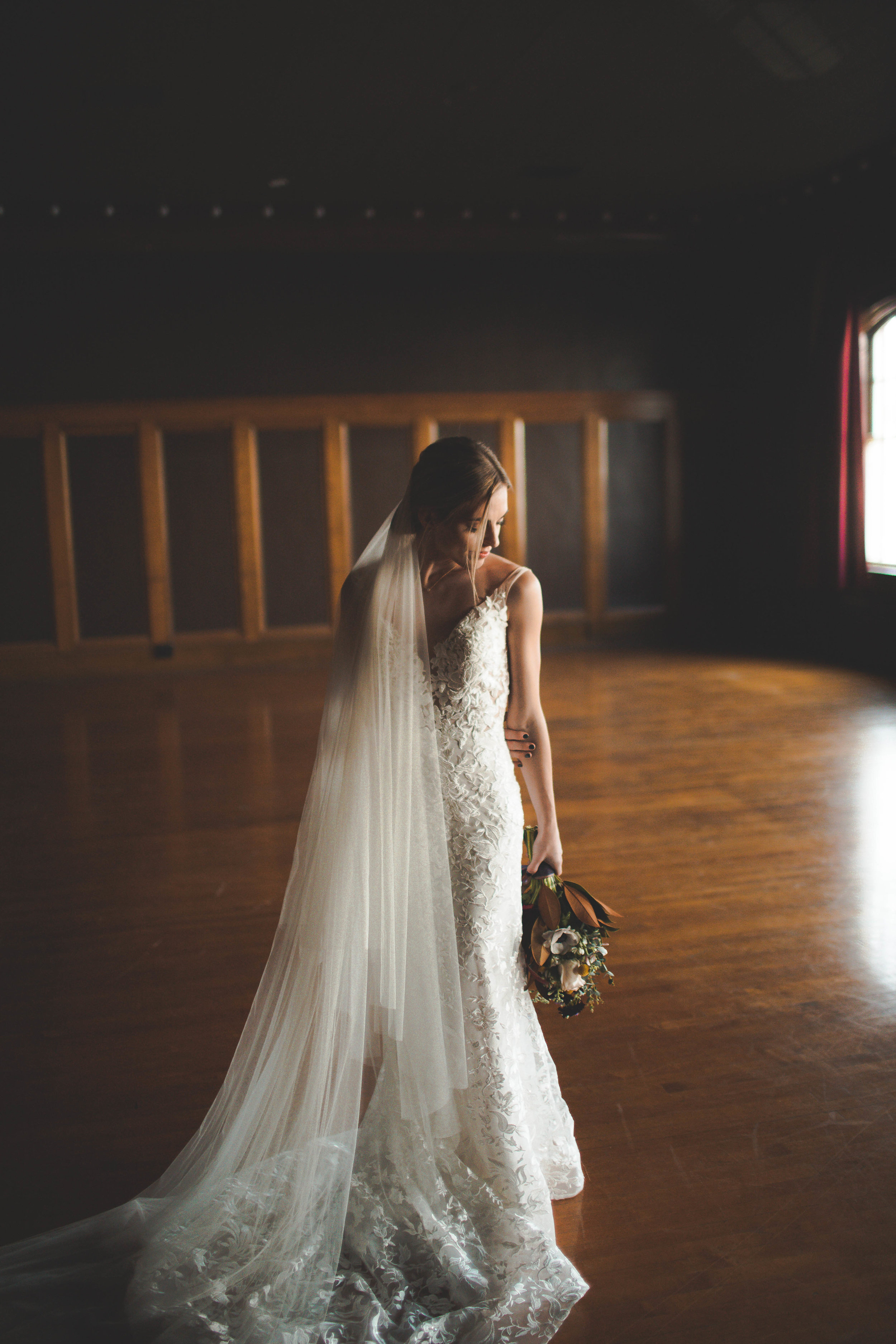 l'amour gown sara gabriel veil bridal shop spokane wedding