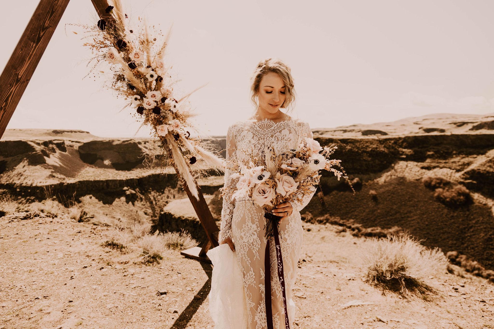 spokane bride summer wedding bouquet