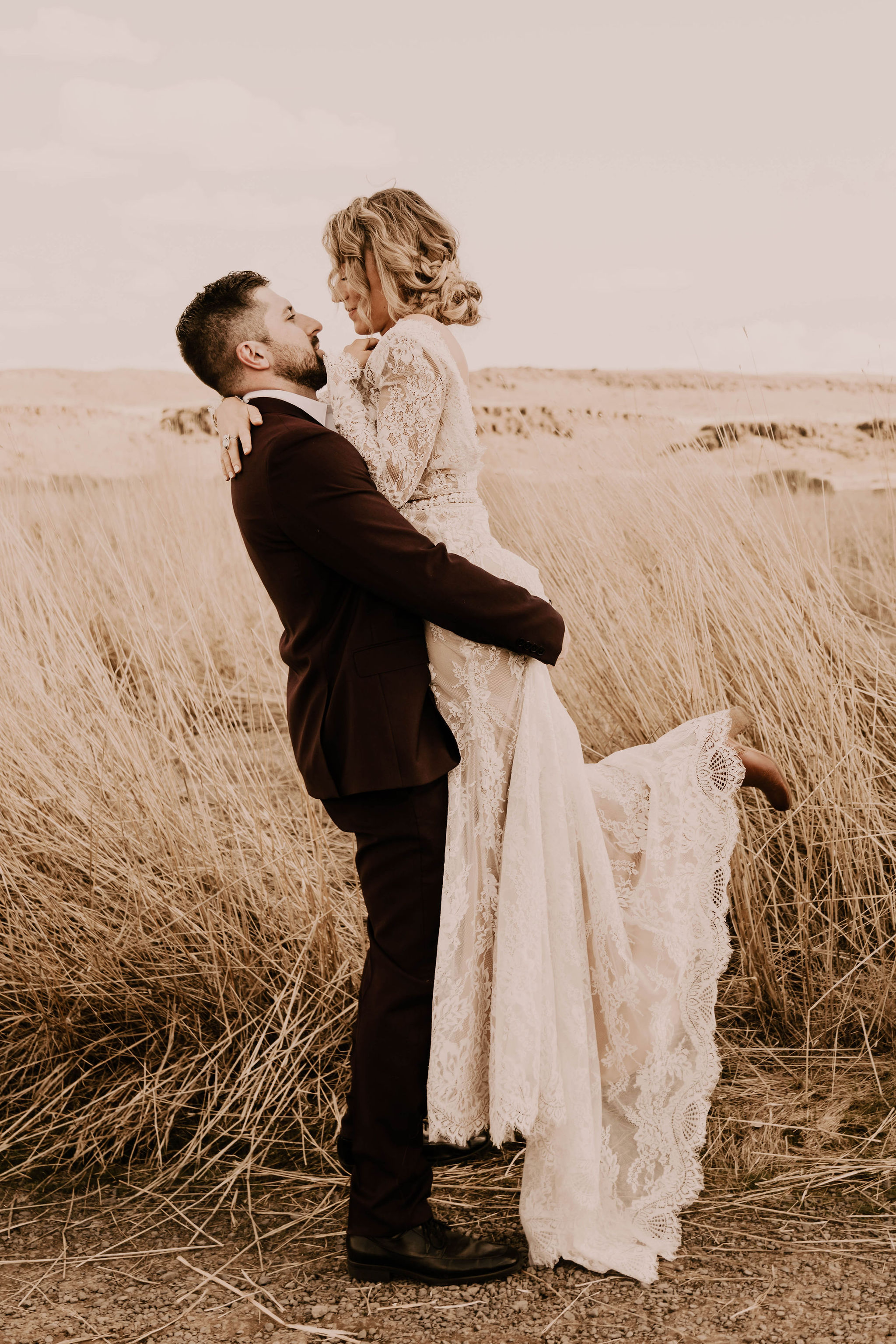 sweet couple spokane summer elopement bride wedding