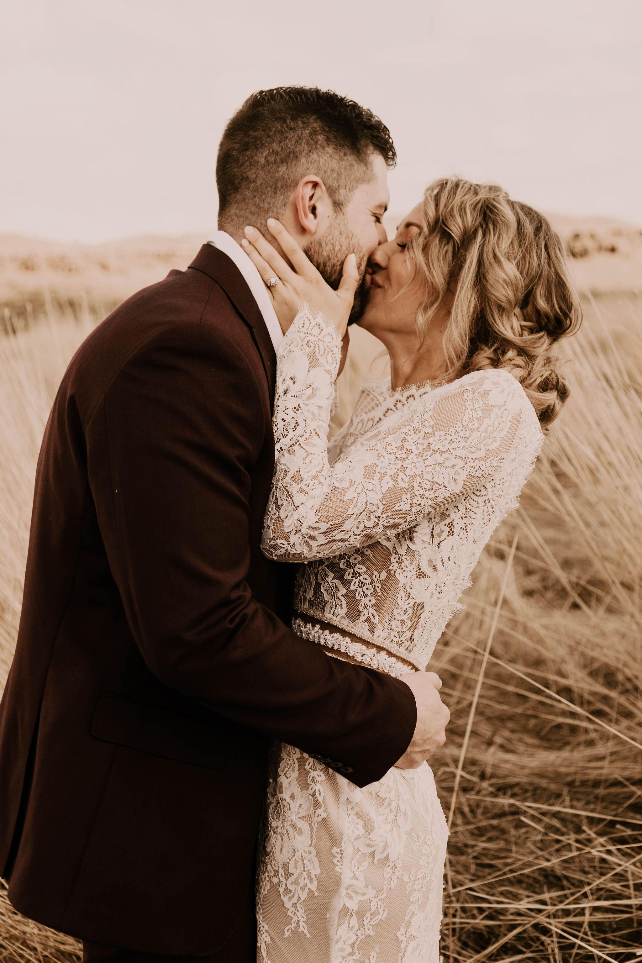 spokane elopement desert summer bride wedding