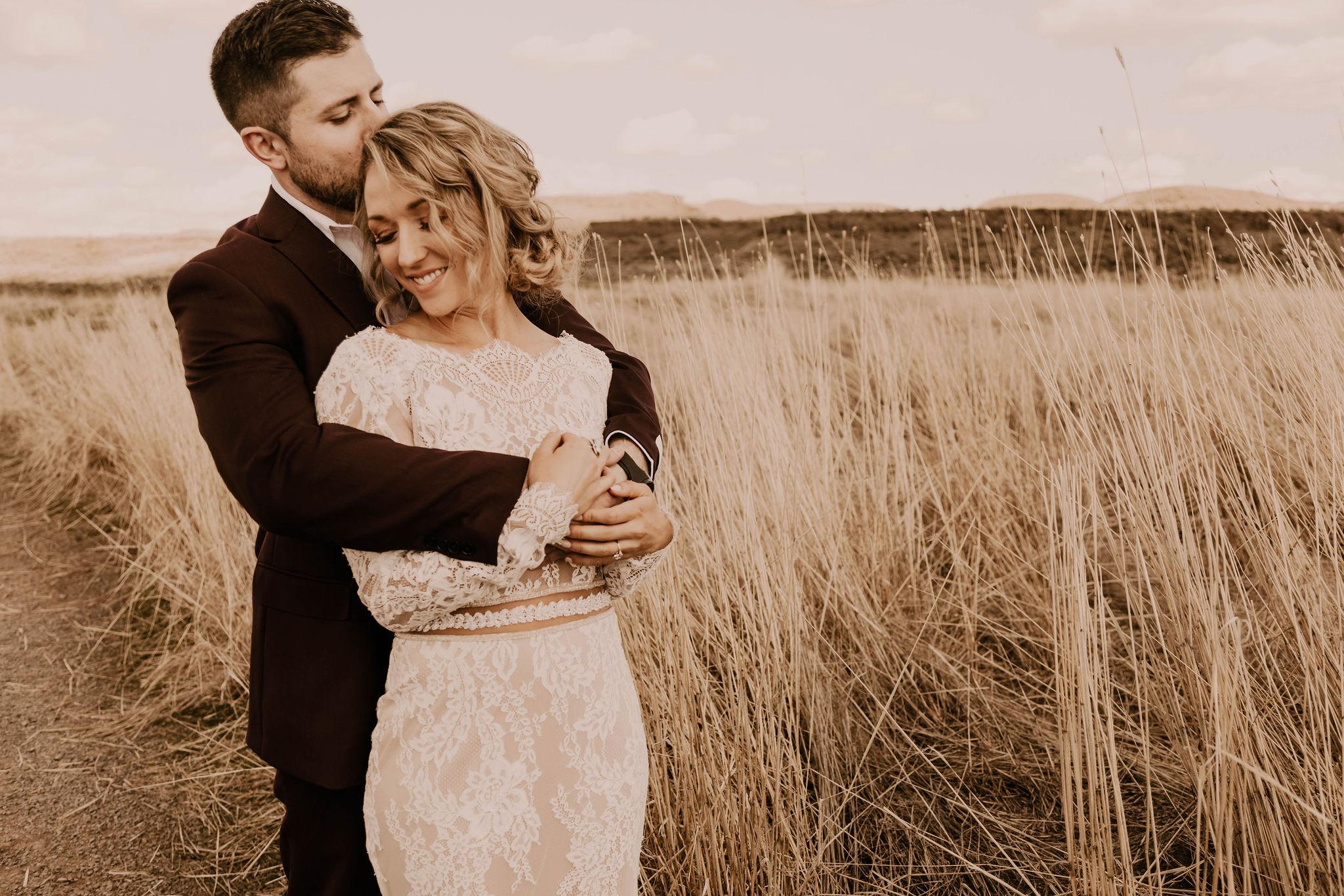 summer elopement desert wedding spokane bride