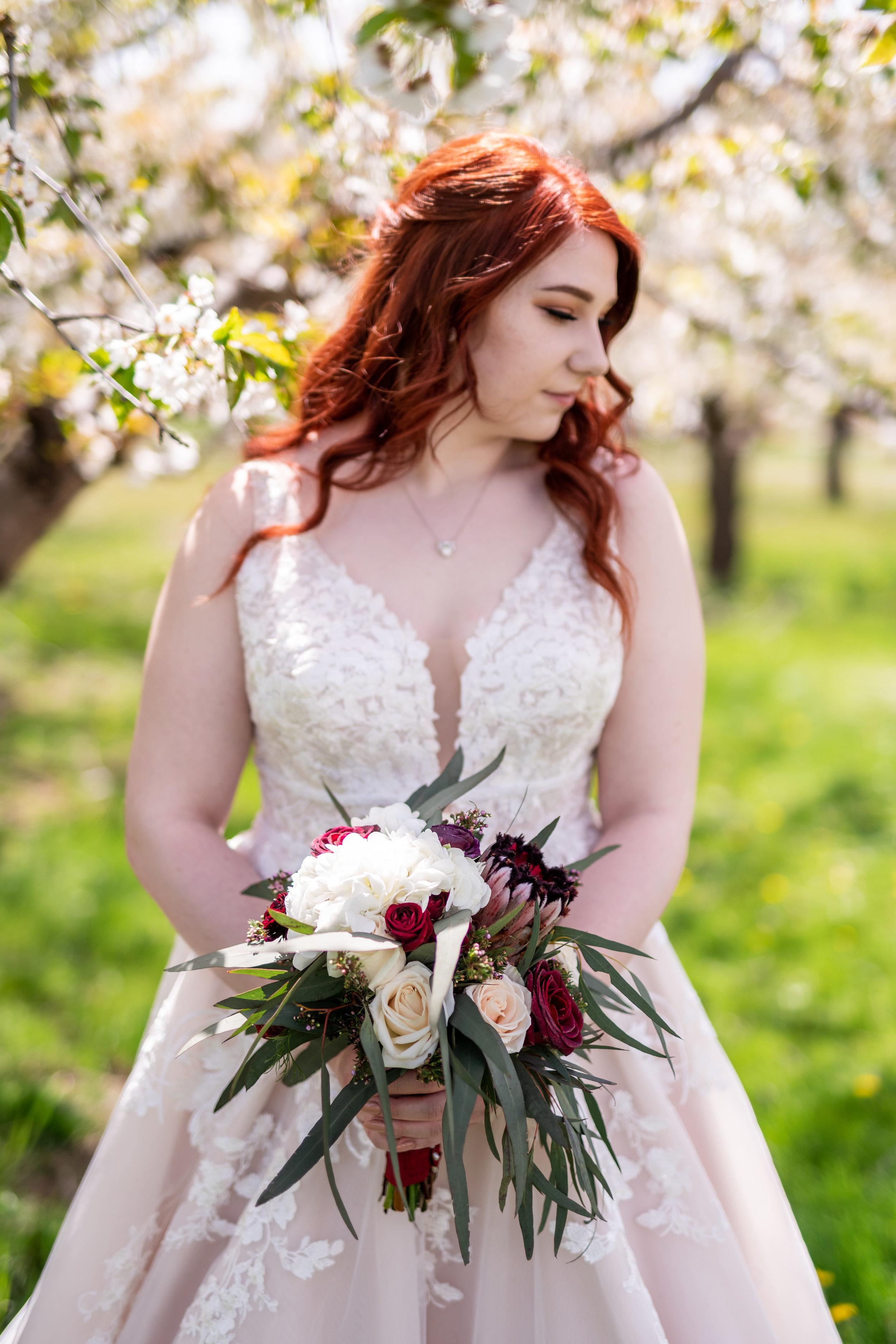 Spokane green bluff wedding dress bride flowers