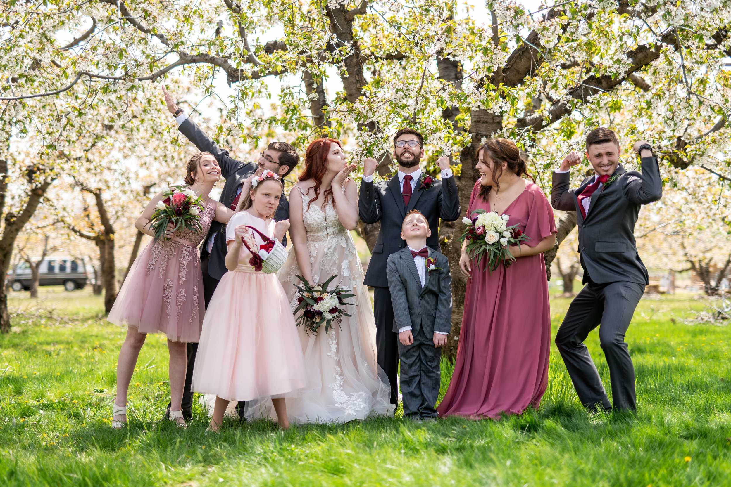 Spokane green bluff wedding dress bride family
