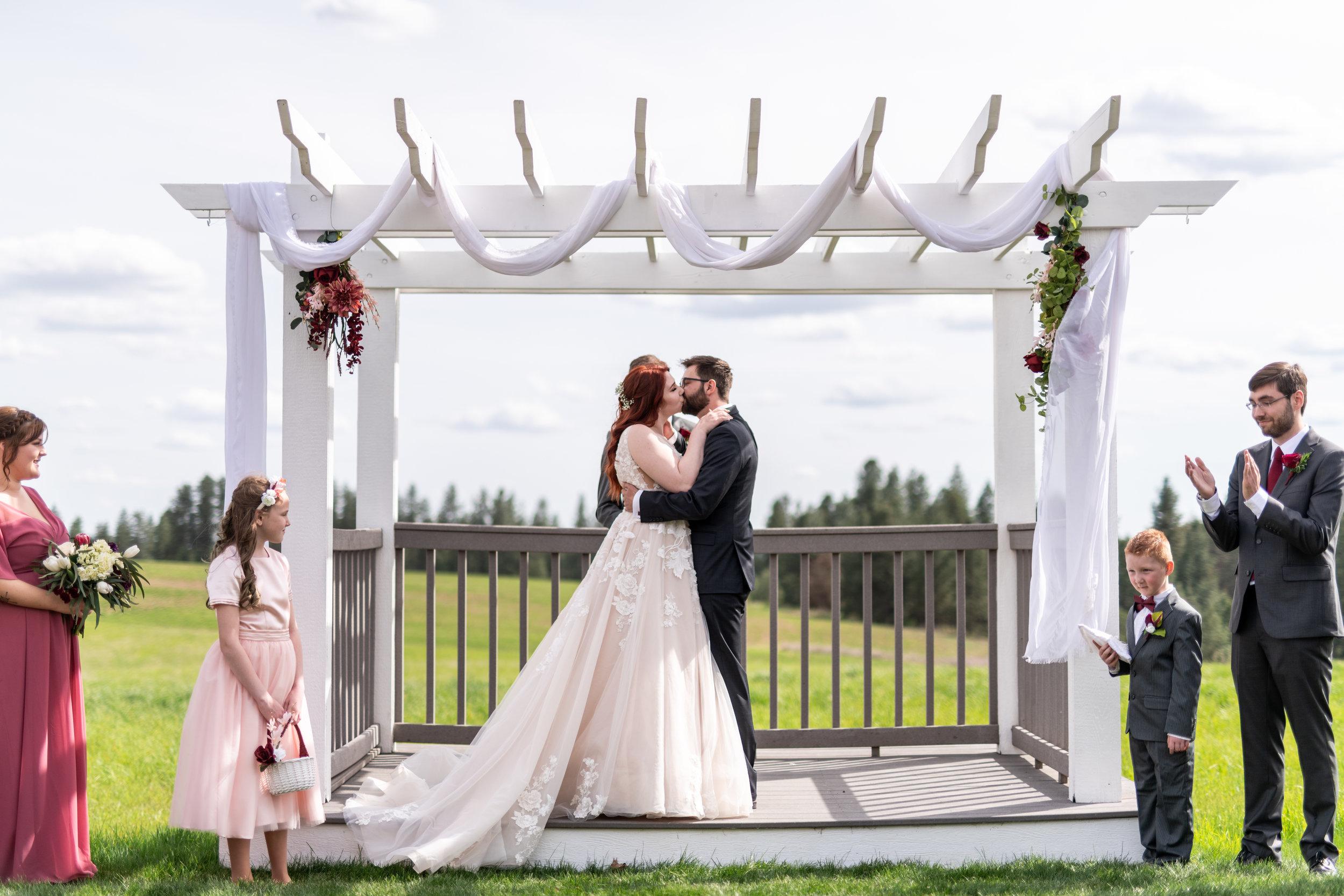 Spokane green bluff wedding dress bride ceremony