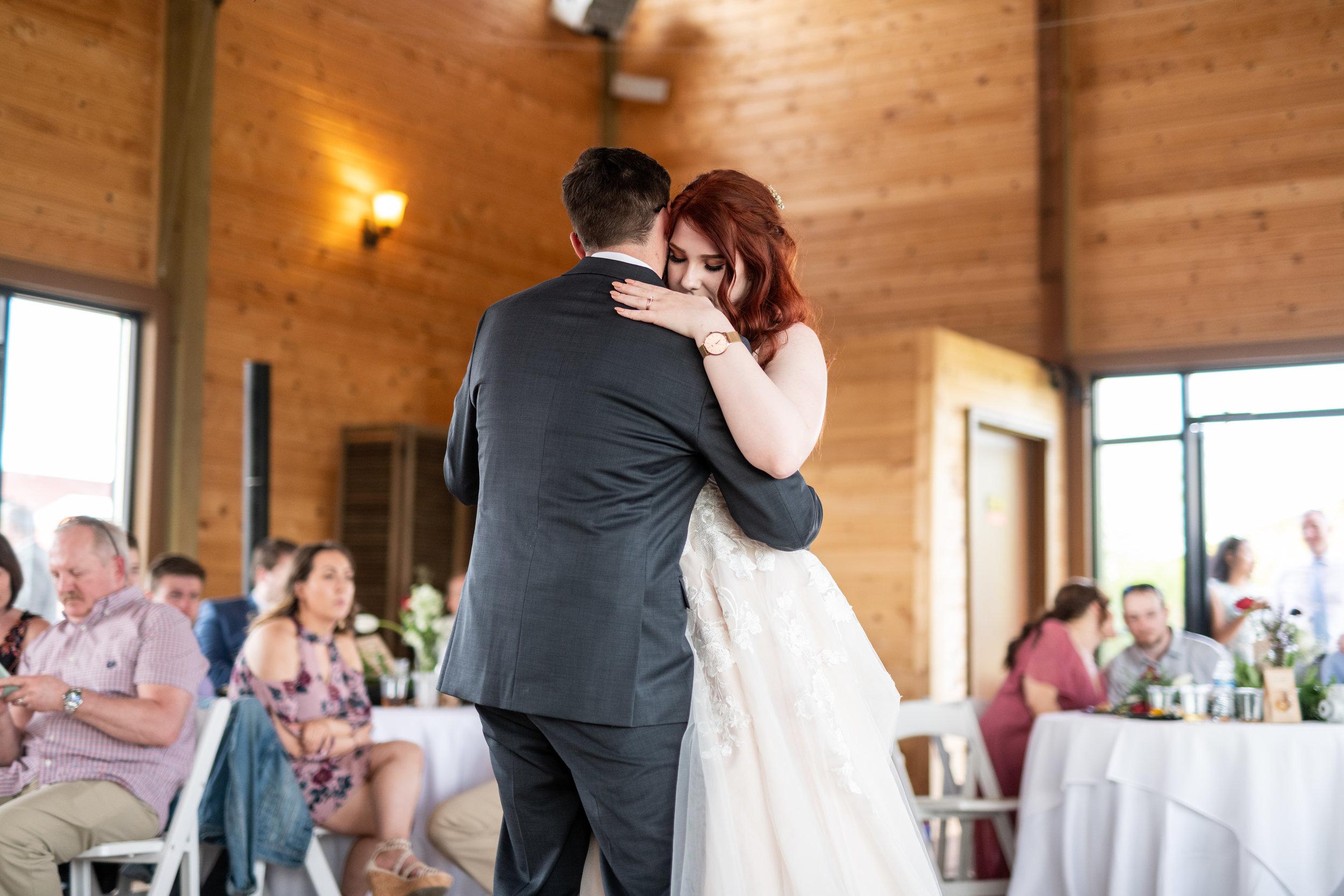 Spokane green bluff wedding dress bride first dance