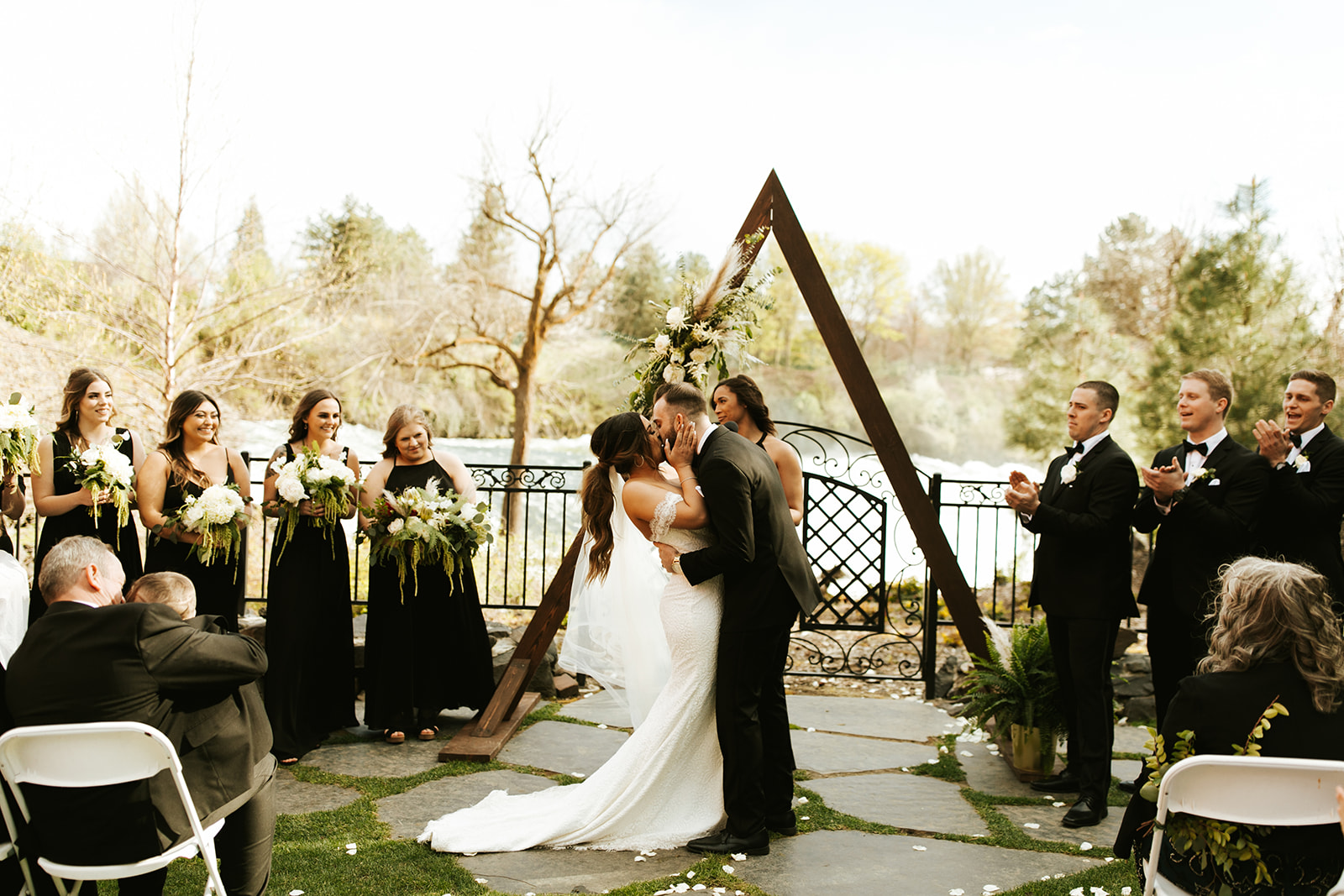 Chateau Rive Spokane Wedding Spokane Blog Dress kiss