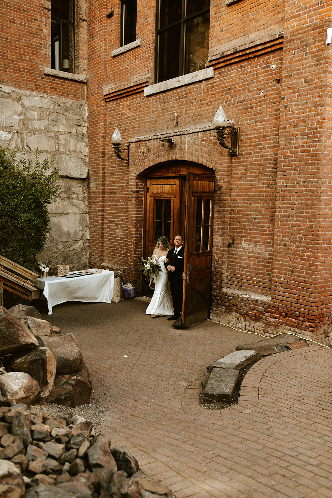 Chateau Rive Spokane Wedding Spokane Blog Dress down the aisle