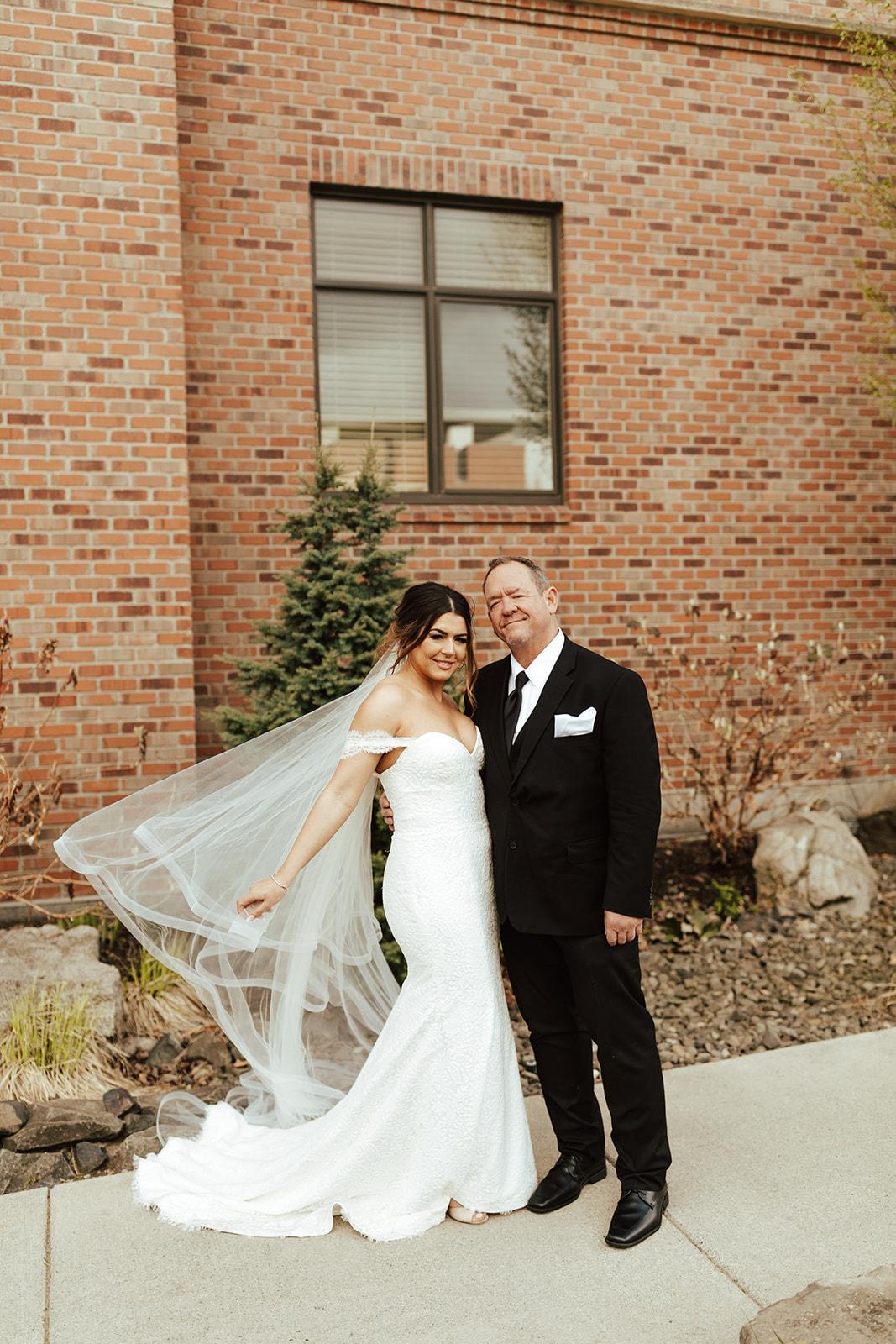 Chateau Rive Spokane Wedding Spokane Blog Dress veil