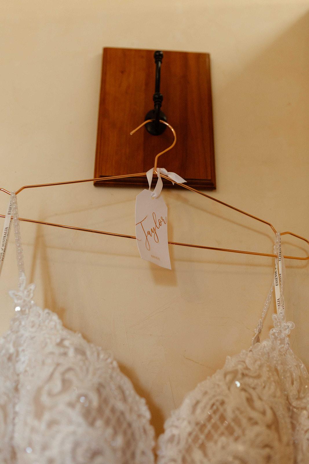 beacon hill wedding honest in ivory dress spokane hanger