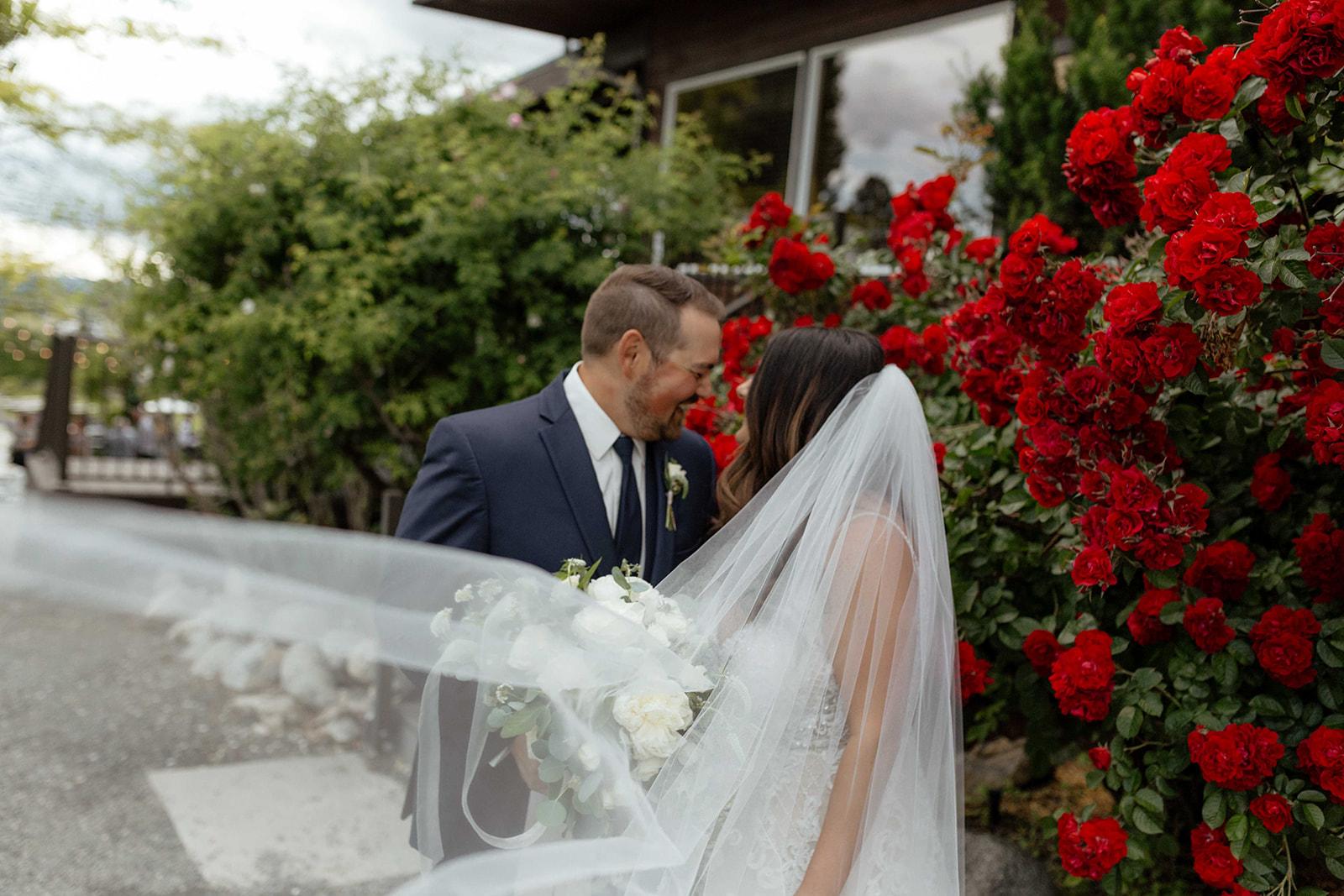 beacon hill wedding honest in ivory dress spokane veil