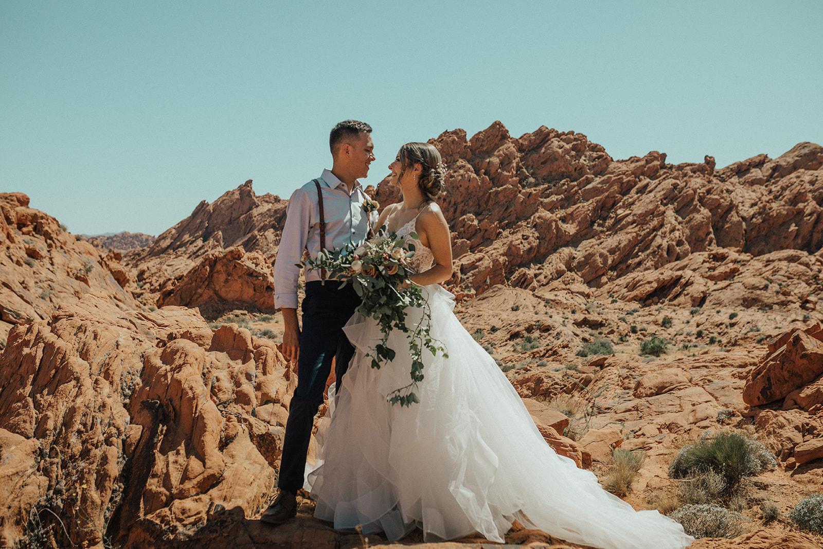 desert elopement spokane bride