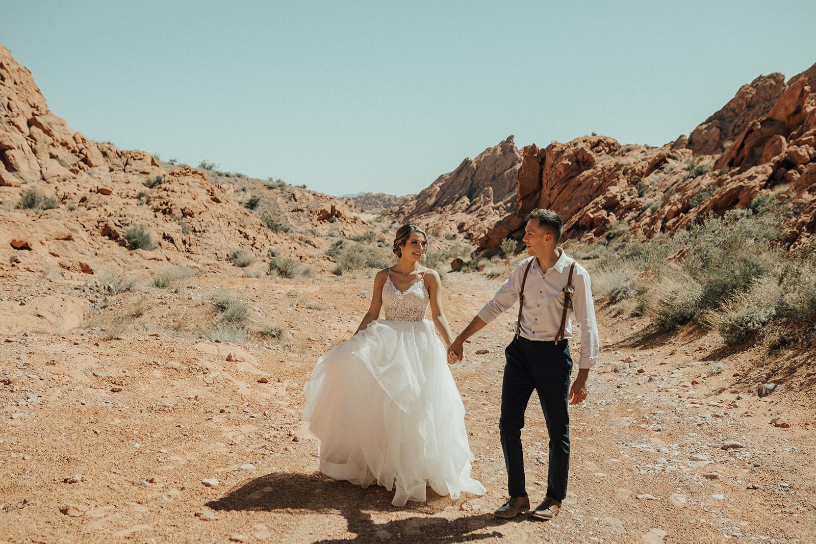 dirt road spokane bride and groom