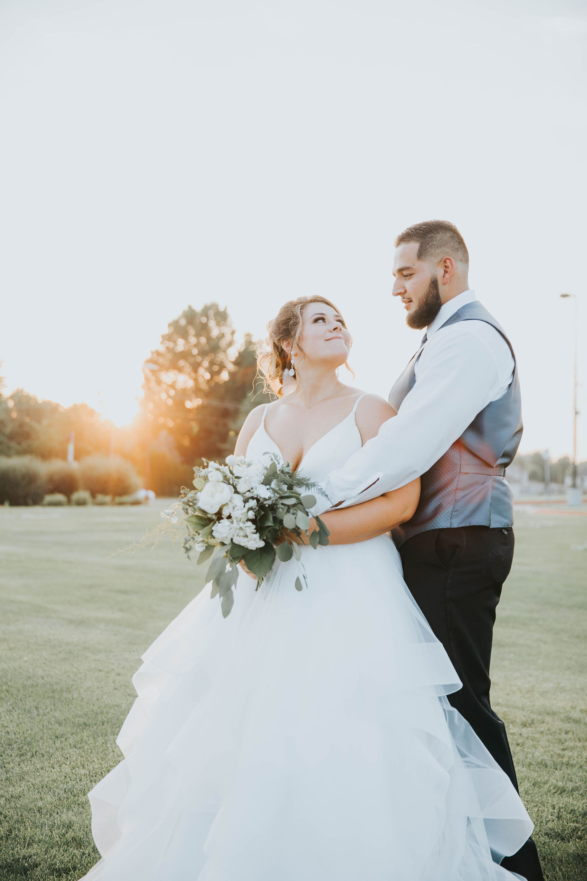 sunset summer wedding spokane bride and groom