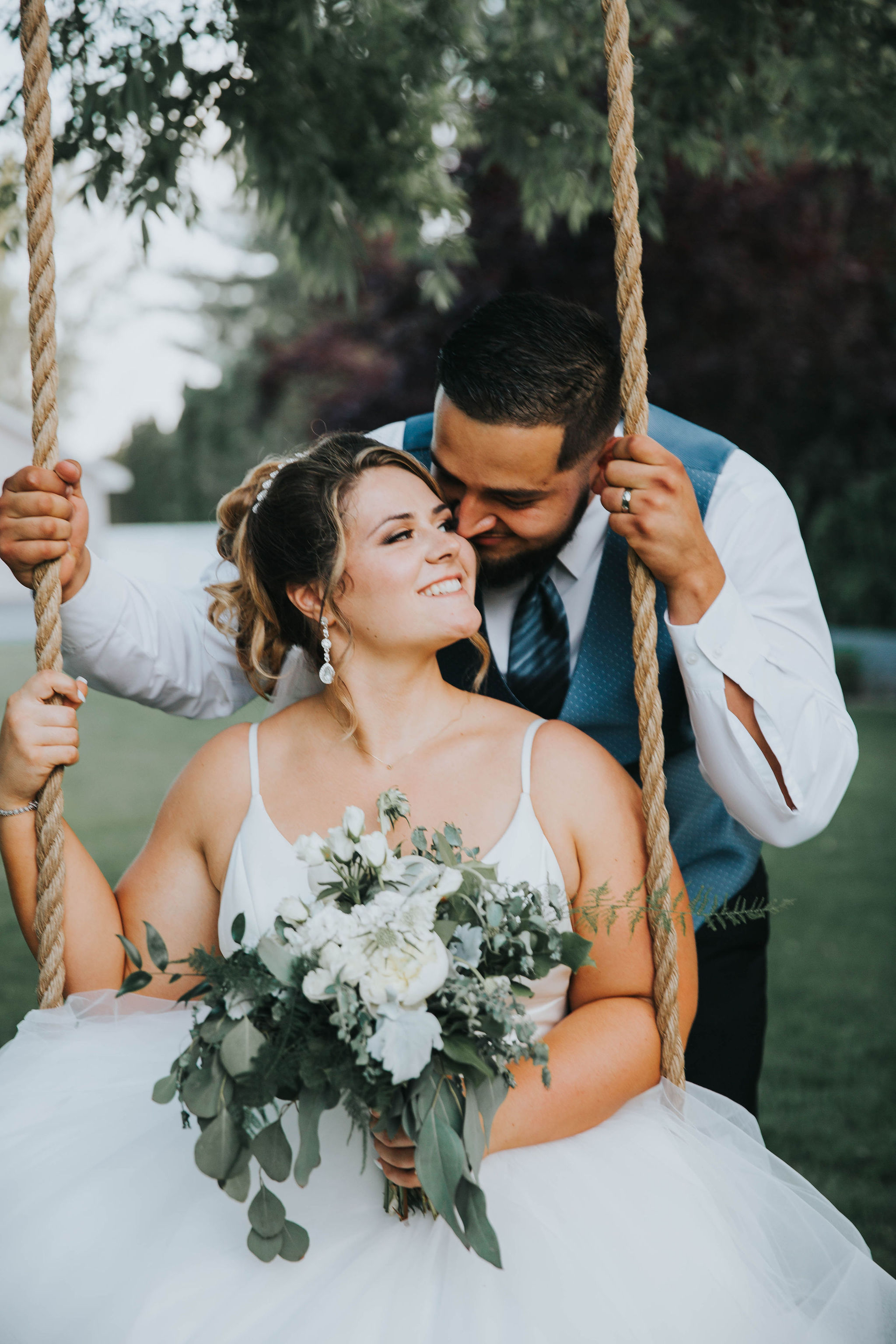 rope swing spokane bride and groom wedding