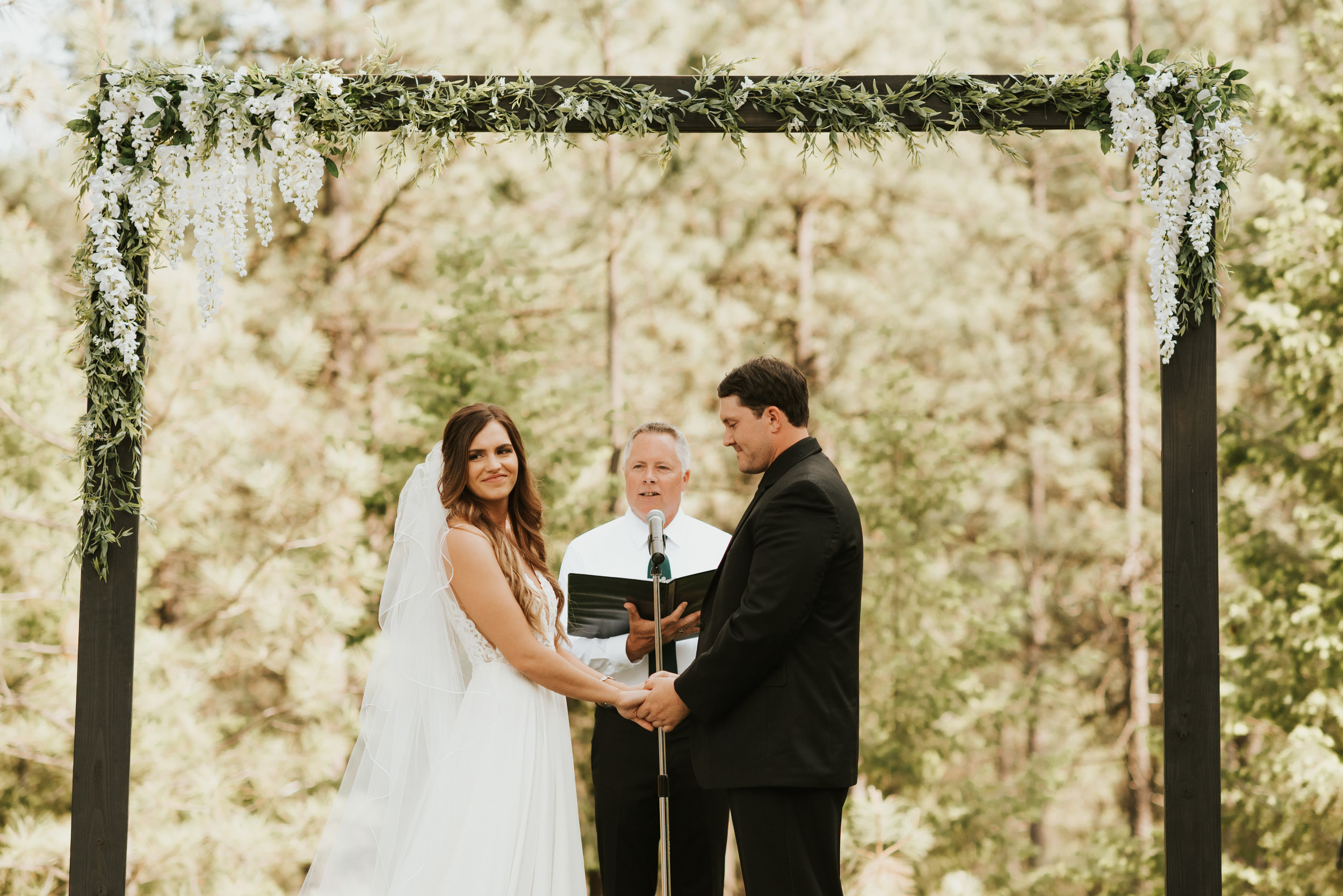 spokane wedding bride and groom altar