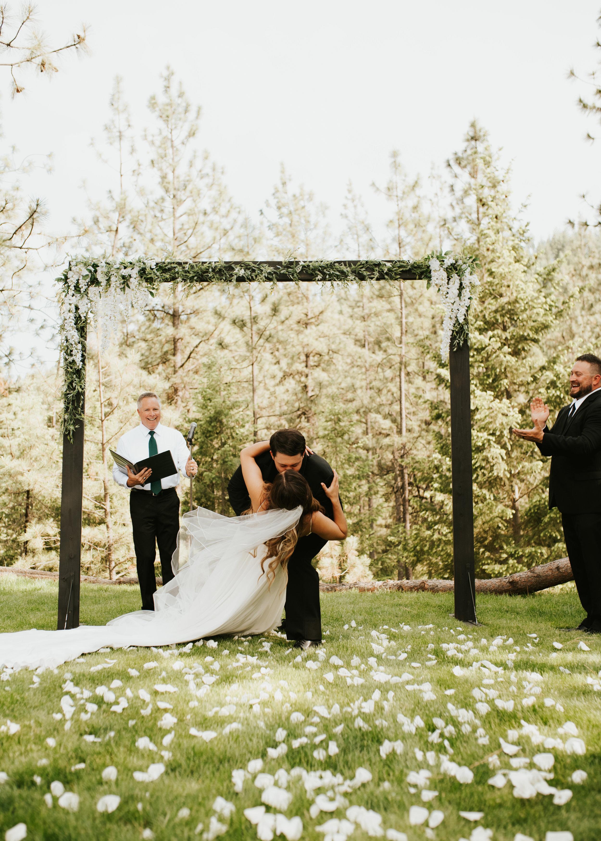 first kiss spokane wedding