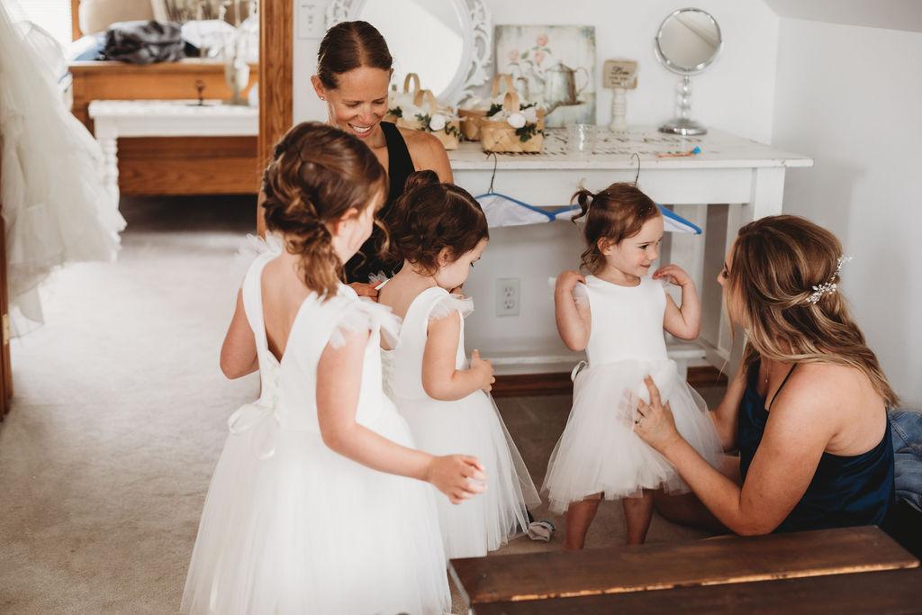 flower girls getting ready spokane wedding