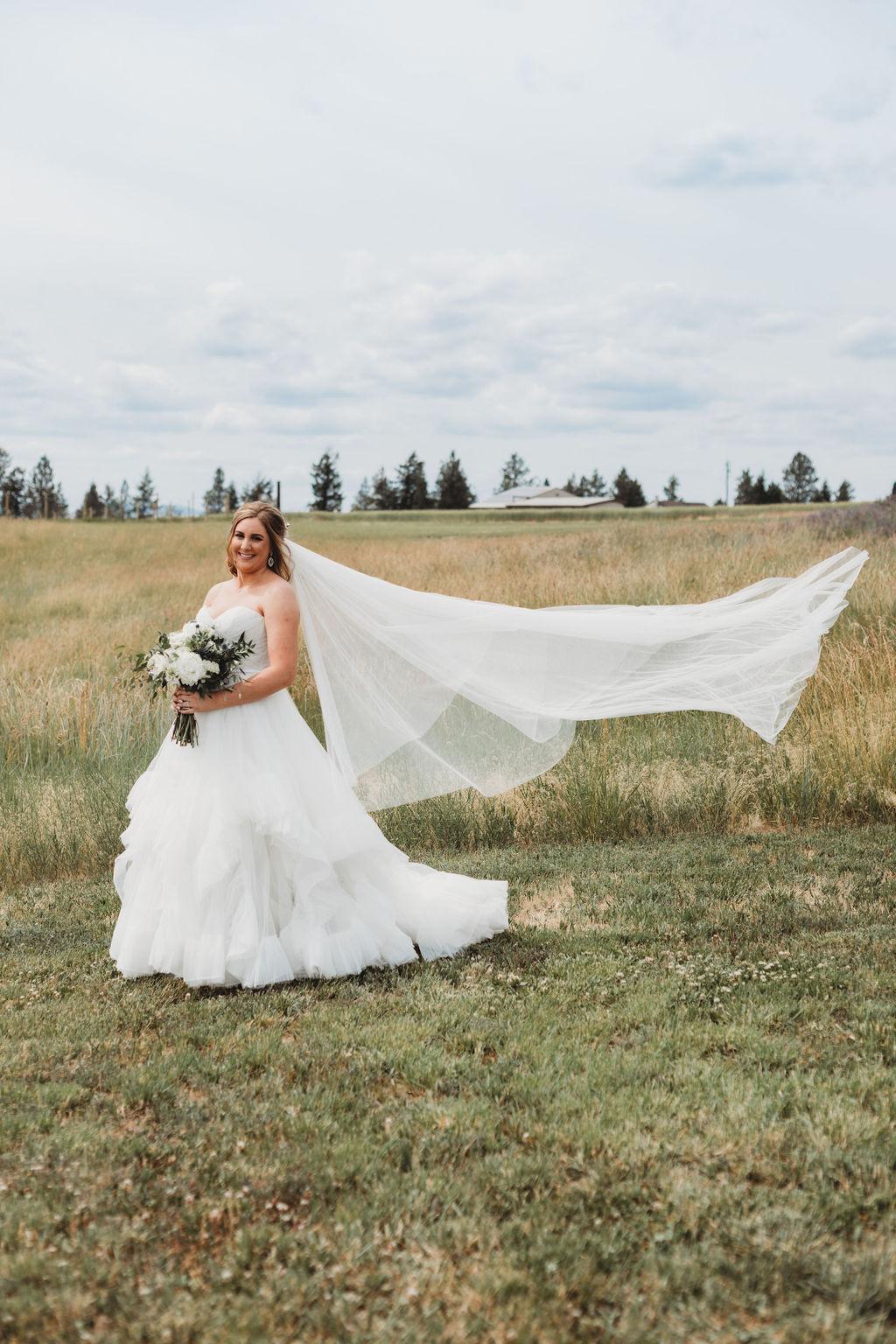 long veil spokane wedding sara gabriel