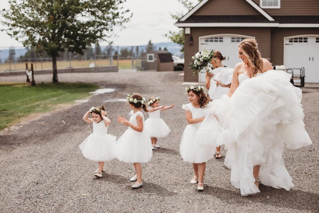 flower girls and bride spokane wedding