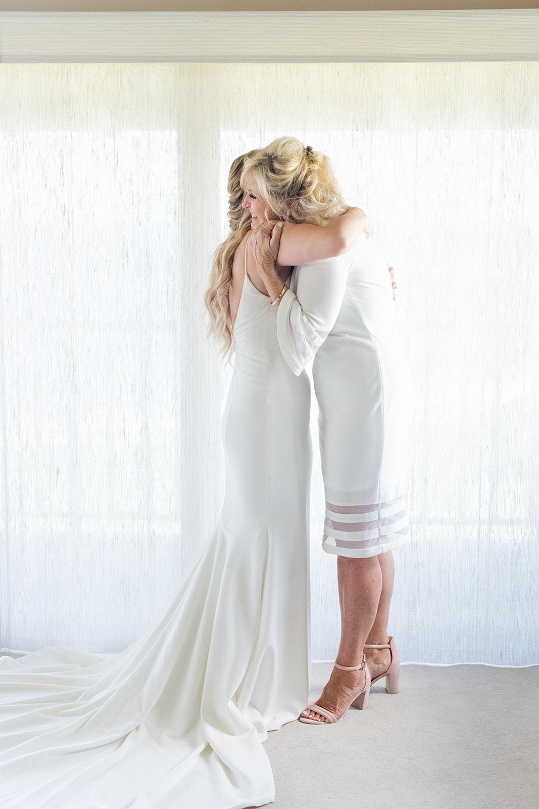 mother daughter wedding day spokane bride