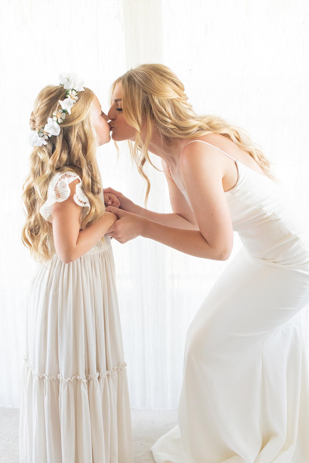 bride and flower girl spokane wedding