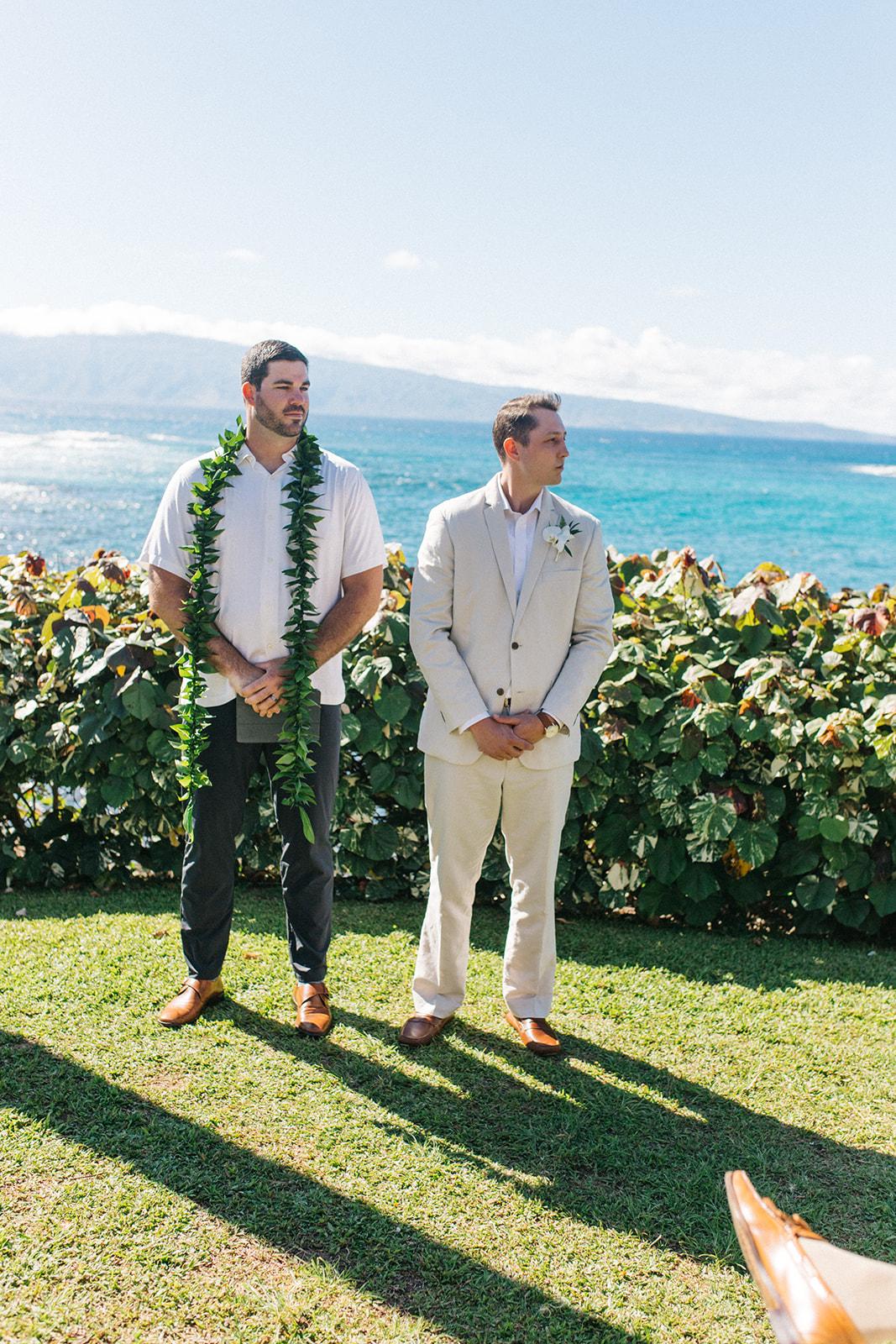 beach ceremony spokane bride and groom hawaii