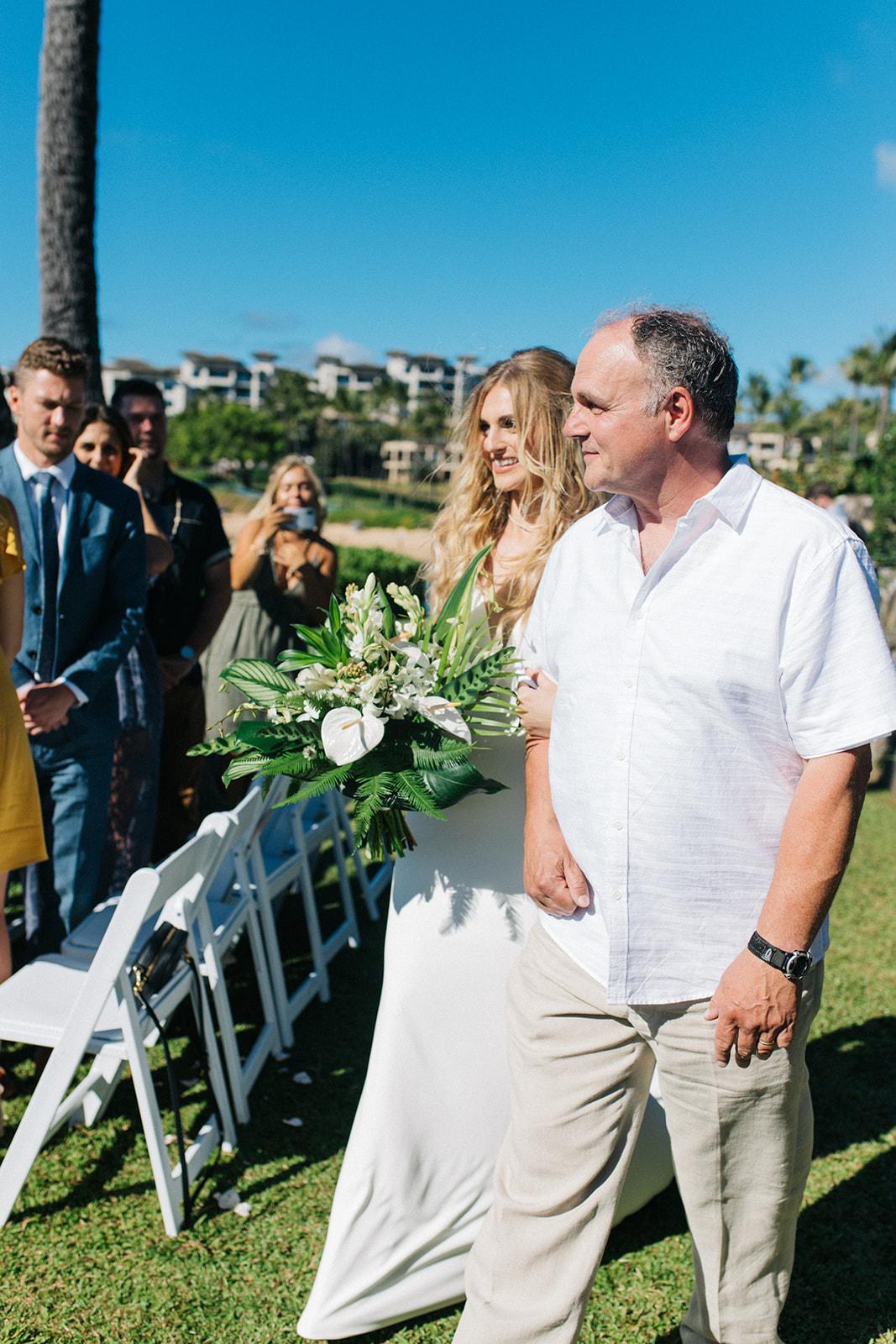 spokane bride and dad walking down the aisle