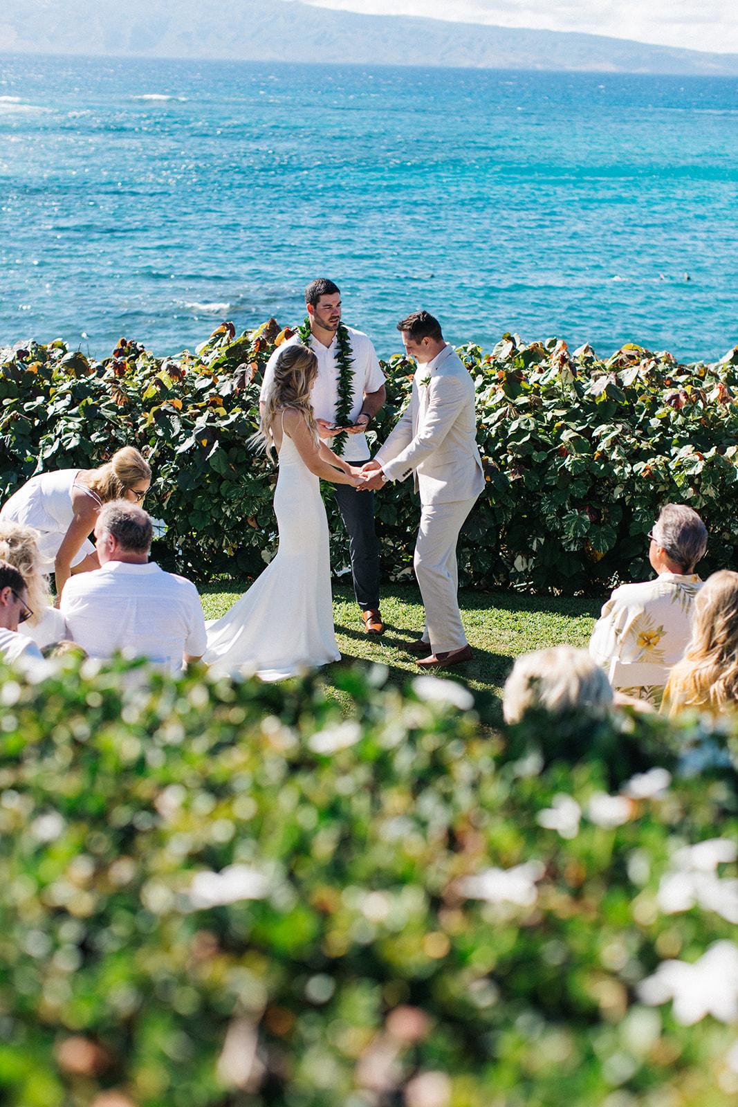 hawaii elopement spokane bride and groom ceremony