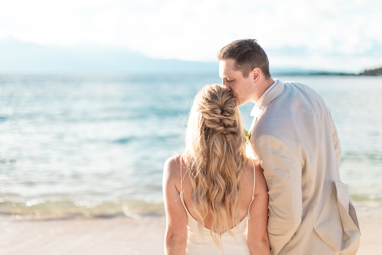 beach photo shoot spokane bride and groom