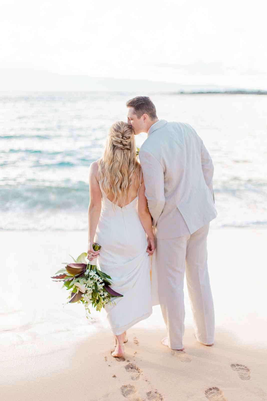 barefoot beach bride and groom spokane elopement