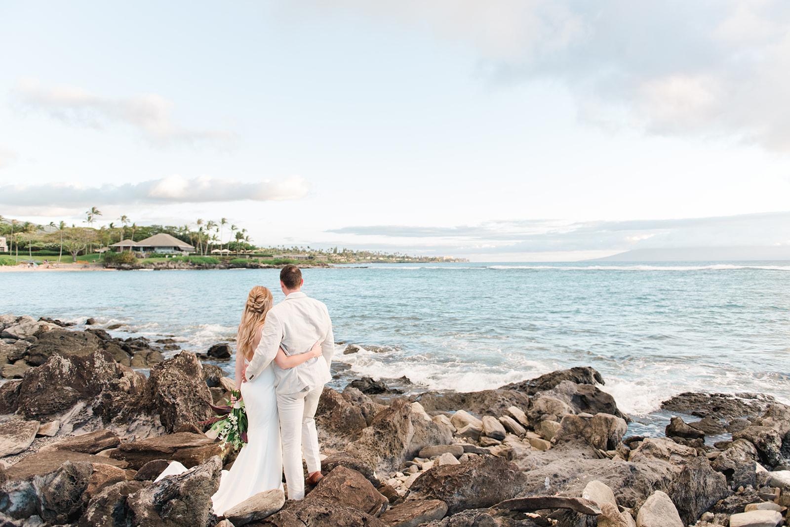 hawaii rocks wedding spokane bride and groom