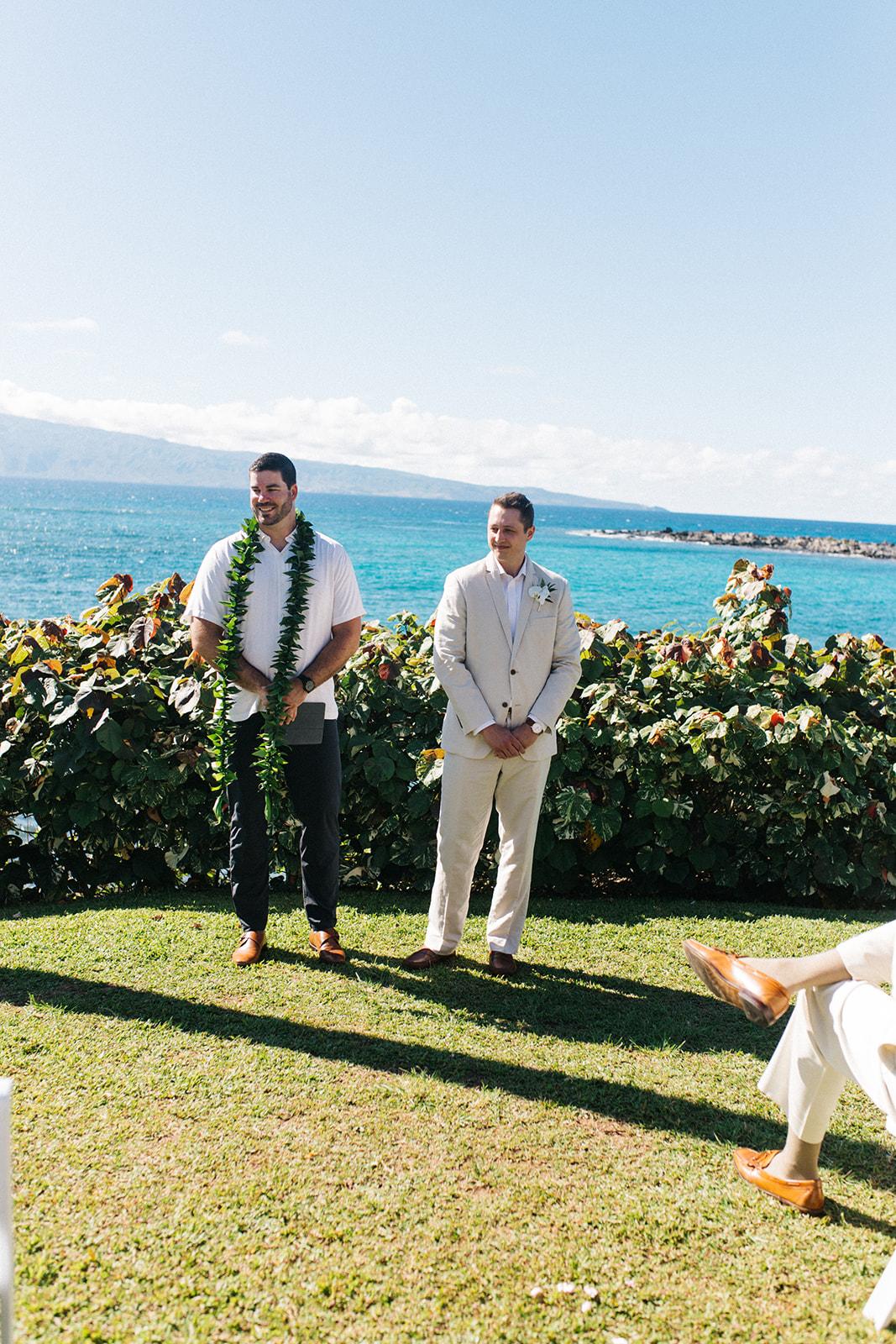 groom waiting at the altar spokane bride hawaii wedding
