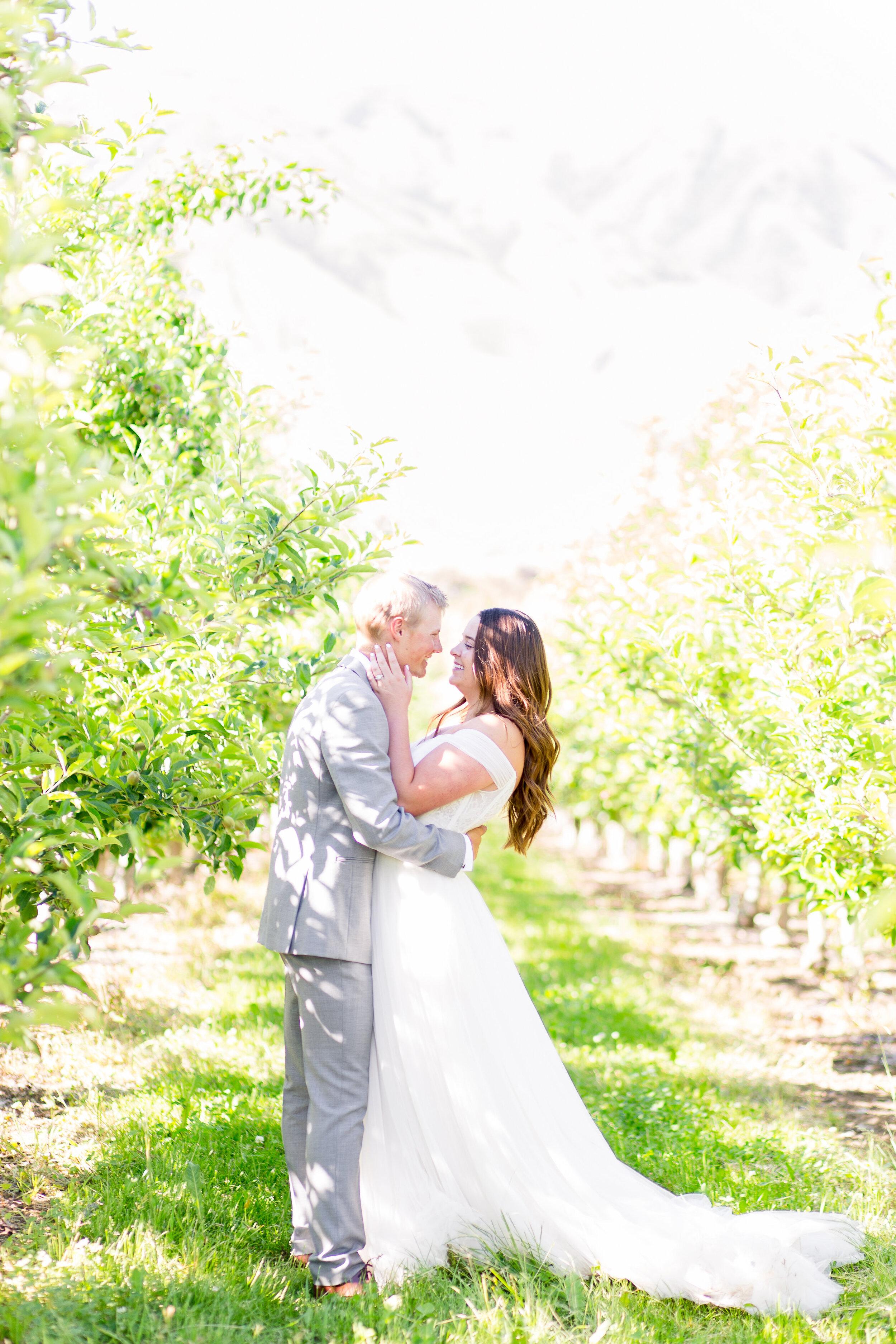 bride and groom spokane wedding wtoo gown