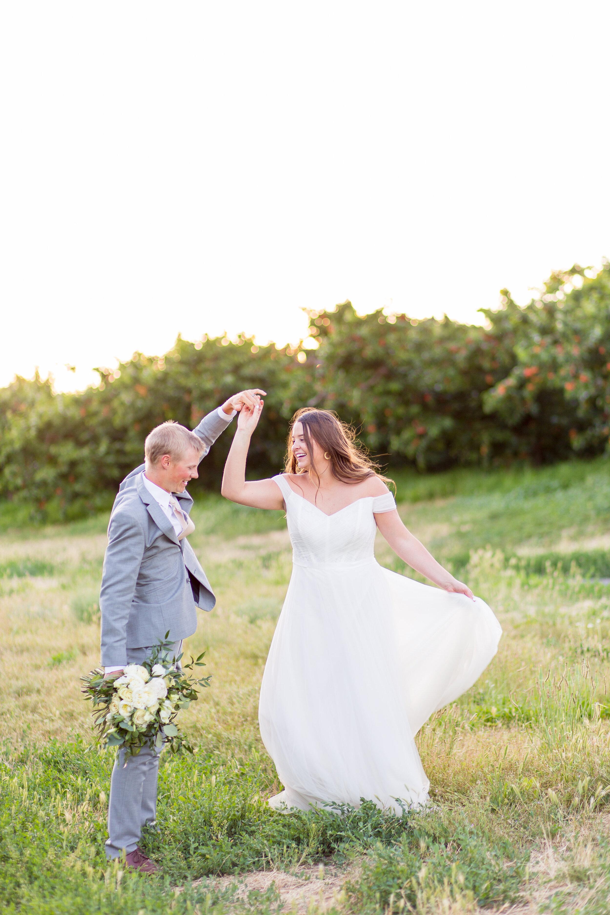 dancing spokane bride and groom wedding