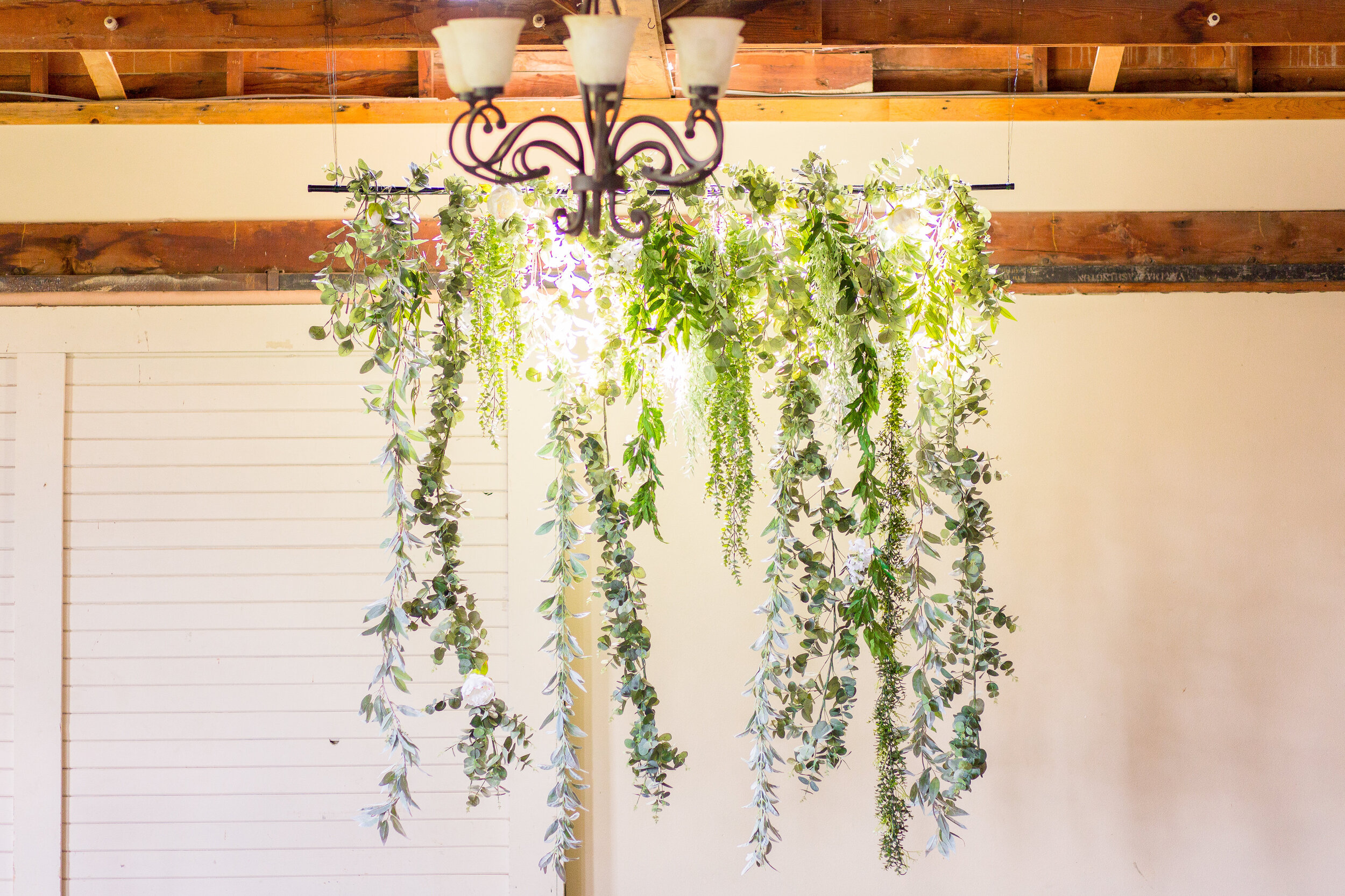 hanging florals spokane winery ceremony