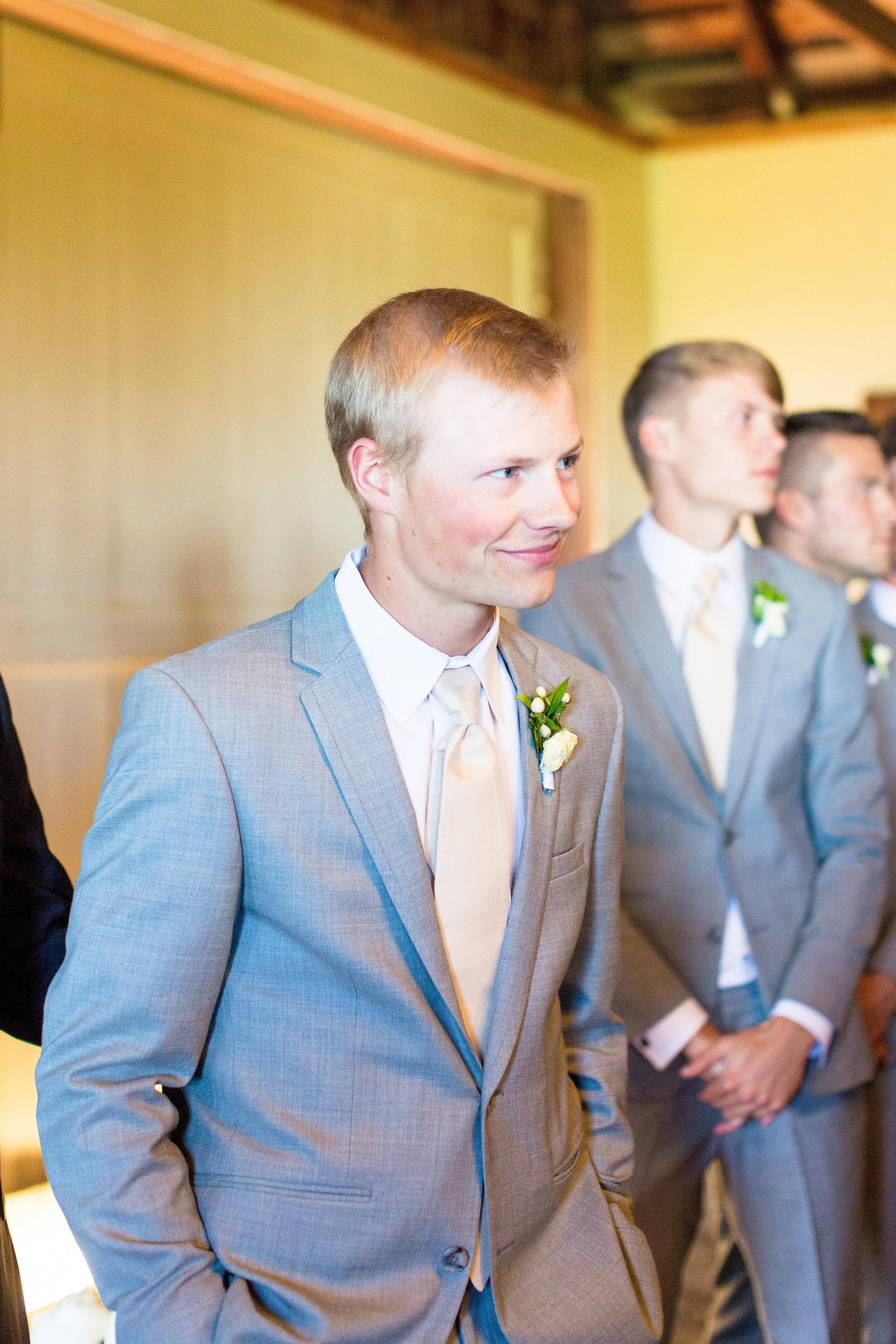 spokane groom seeing bride walking down aisle