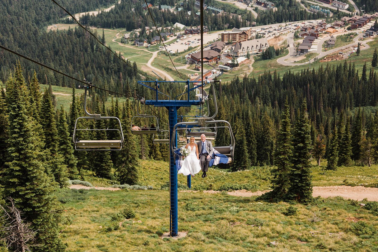 father daughter gondola ride to spokane wedding ceremony