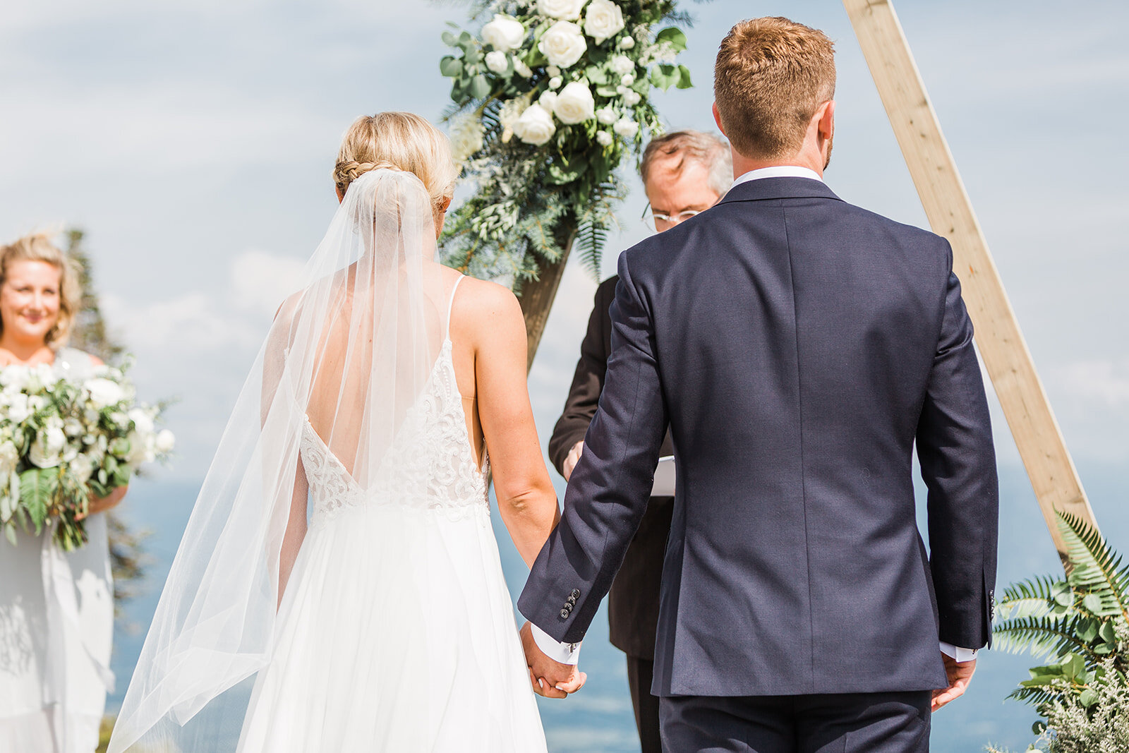 bride and groom spokane wedding ceremony