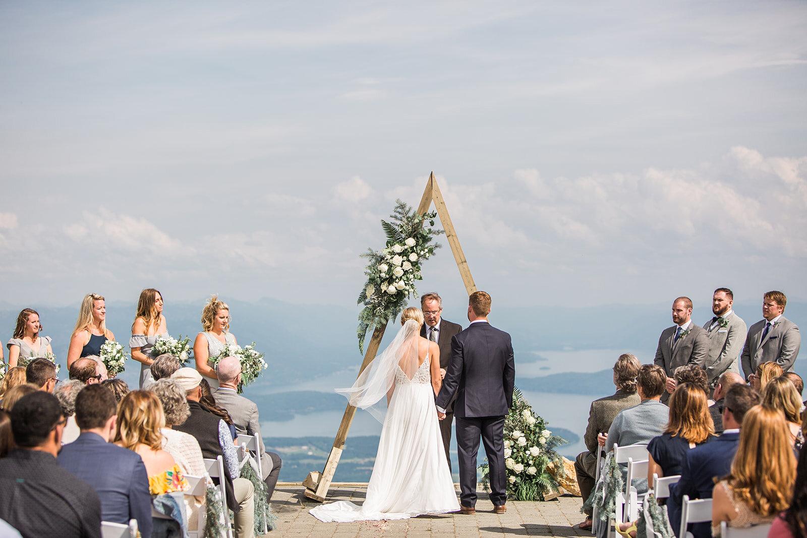 bride and groom spokane wedding schweitzer ceremony