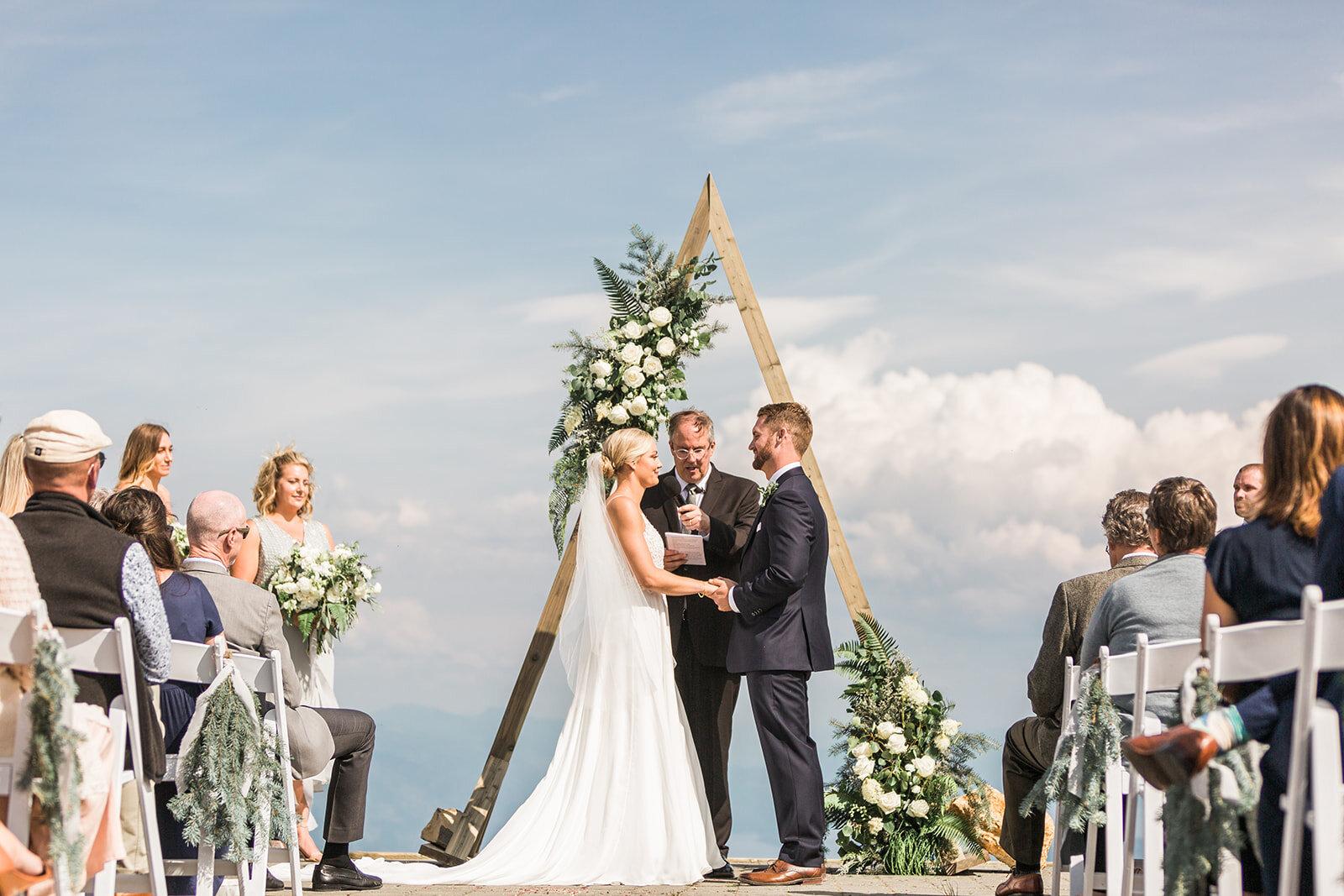 bride and groom wedding ceremony schweitzer spokane