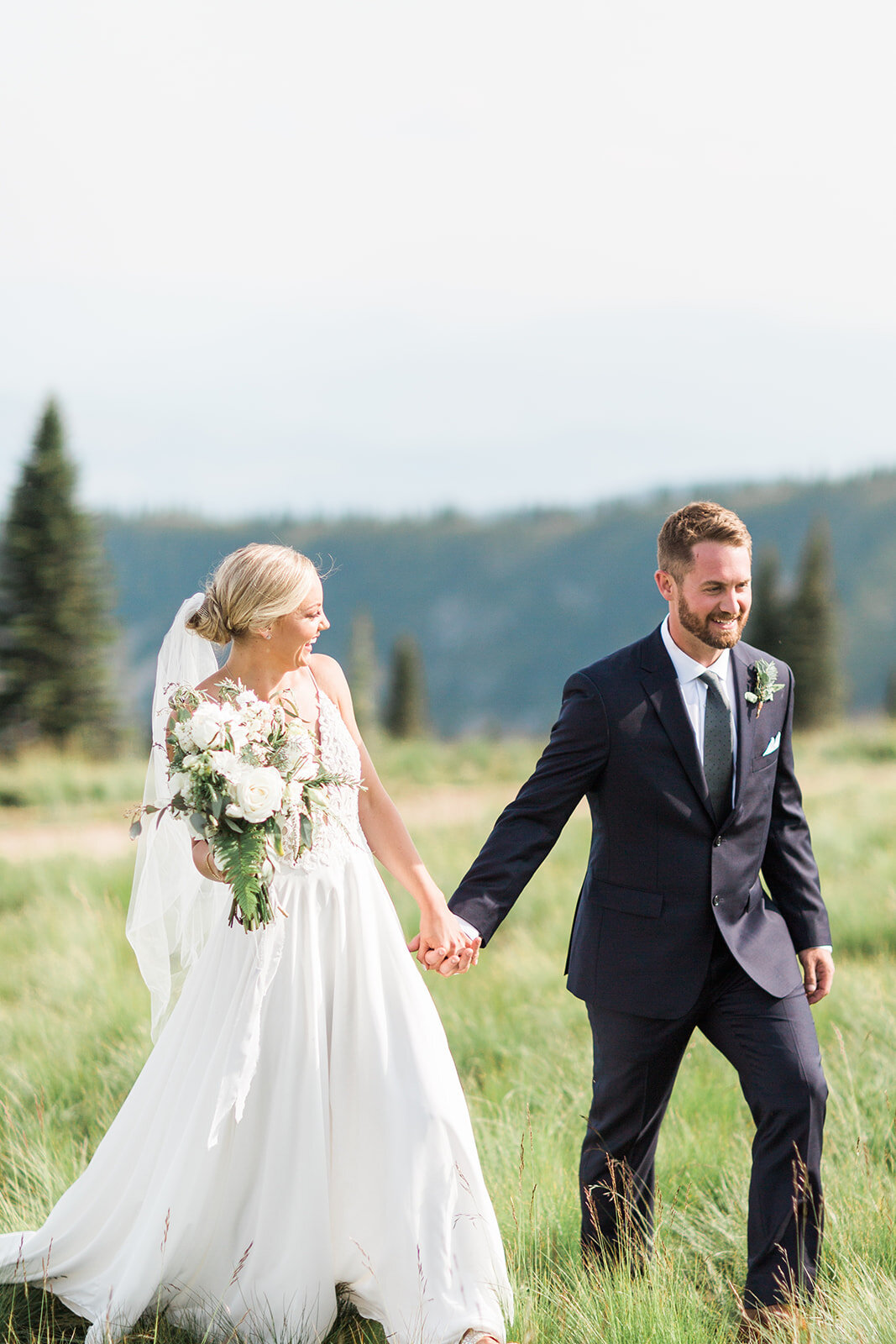 bride and groom schweitzer wedding spokane