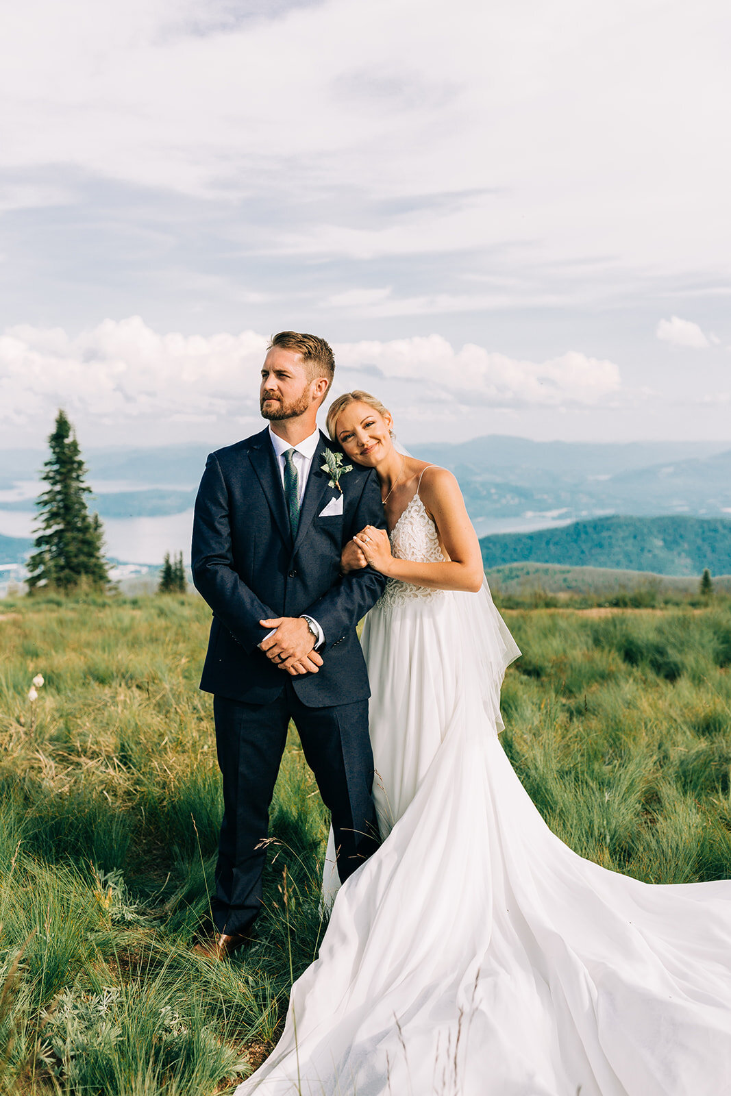 bride and groom long train gown portraits spokane wedding