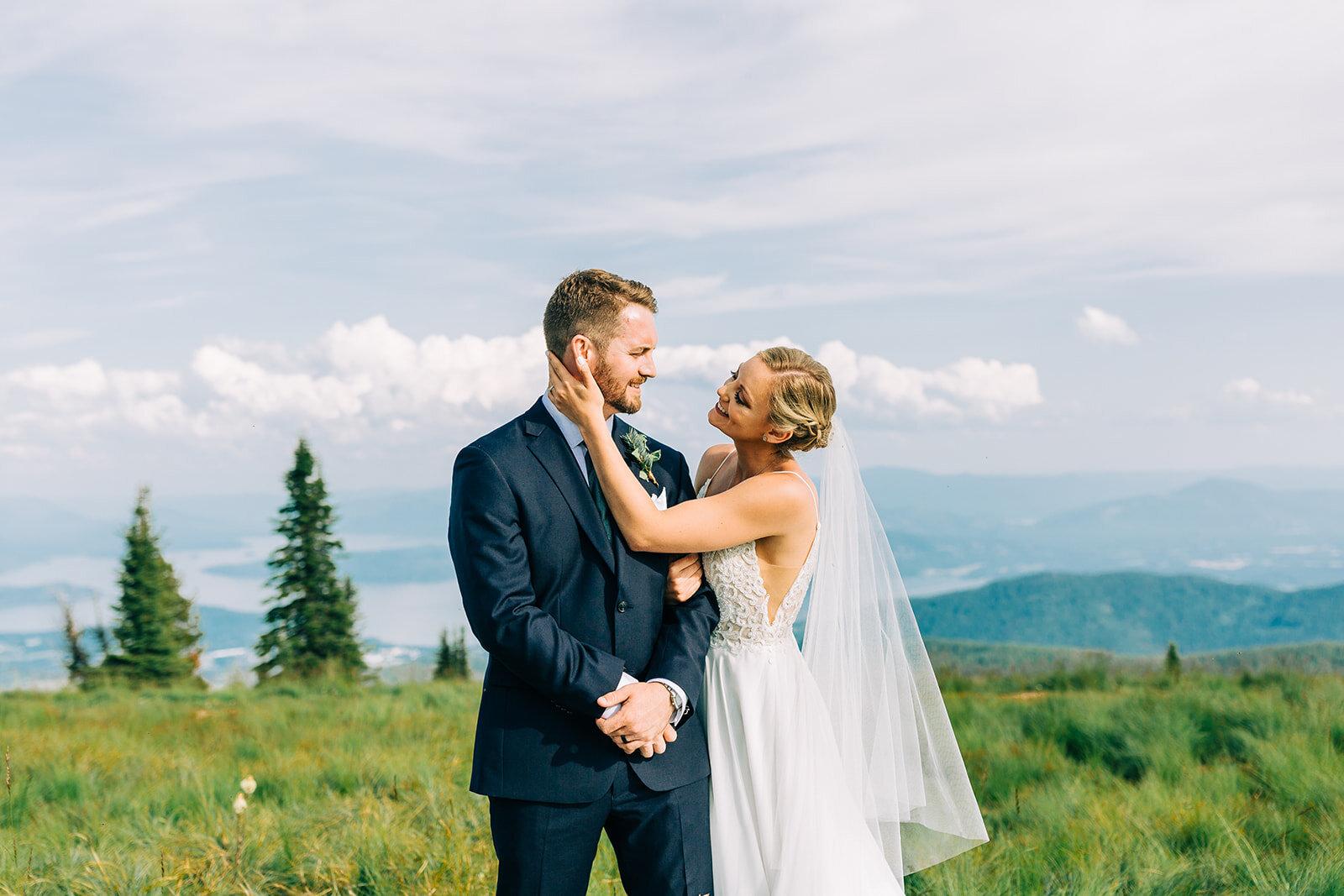 bride and groom mountaintop wedding spokane