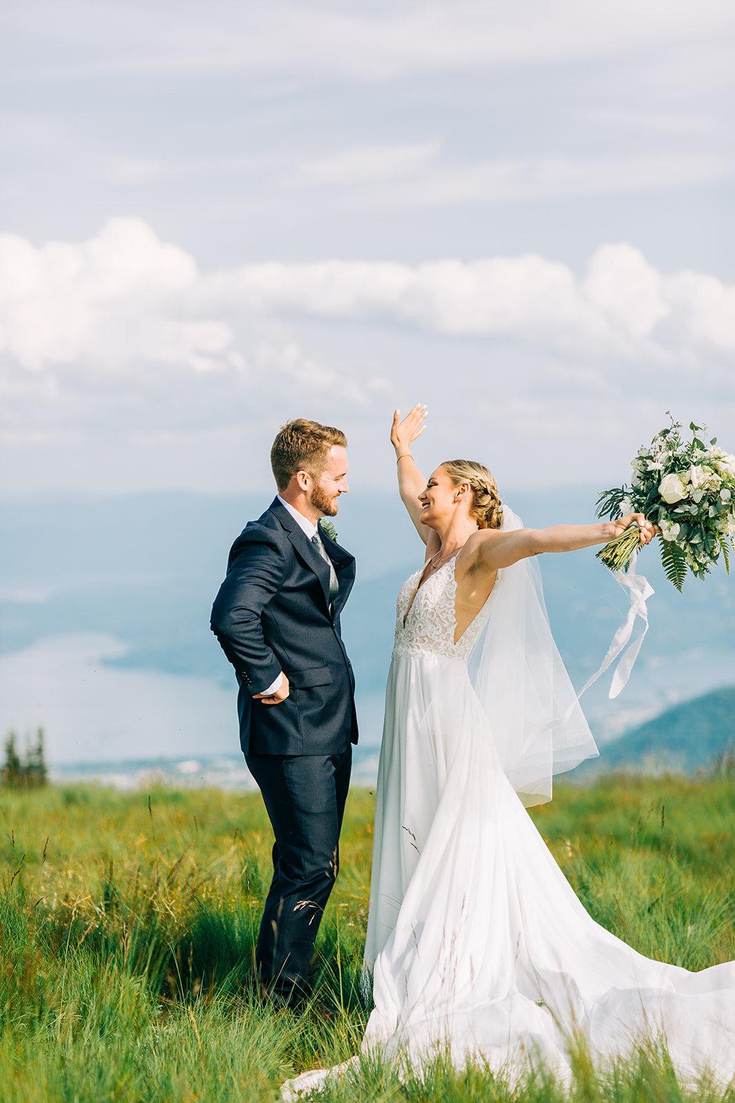 spokane bride and groom portraits mountaintop wedding