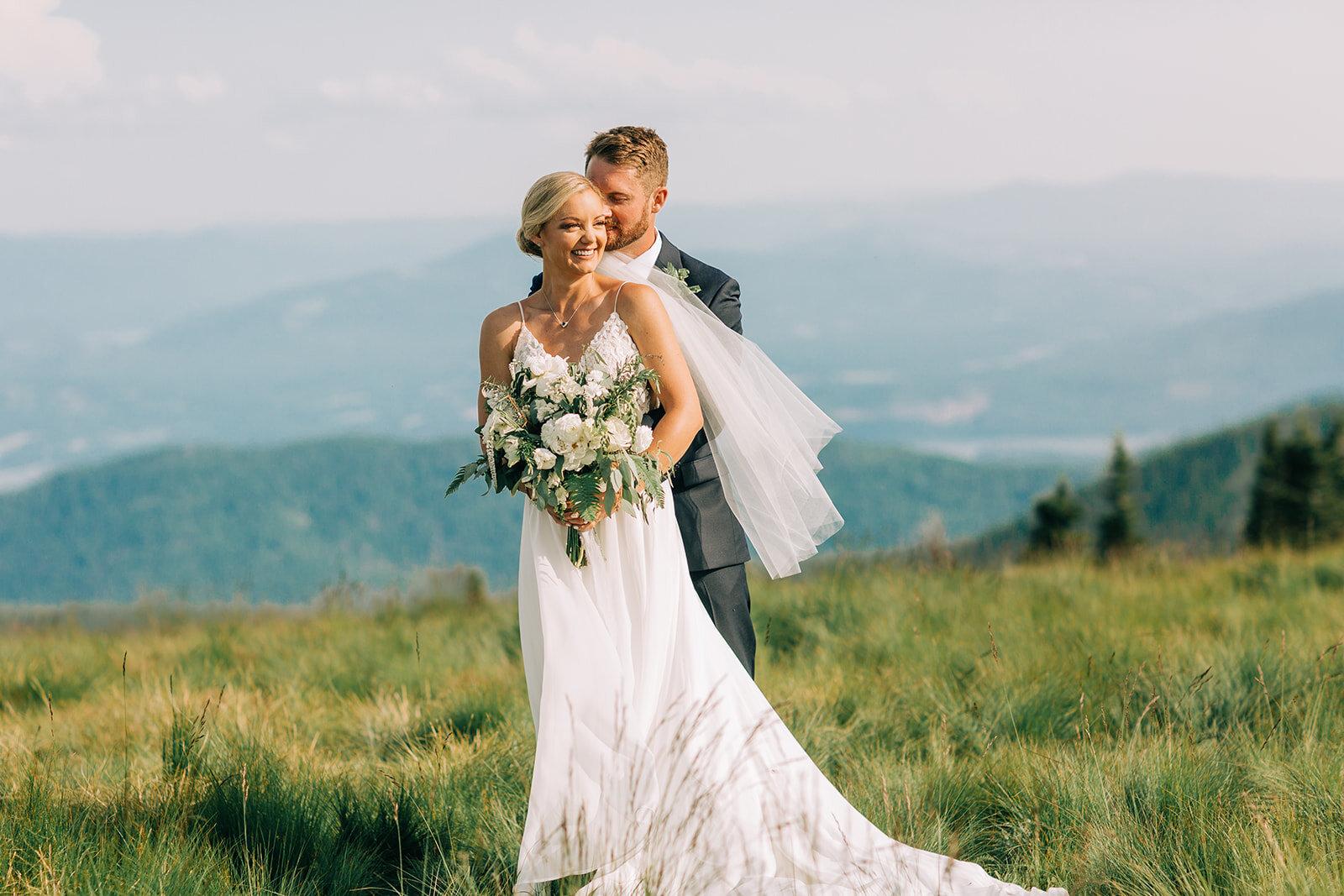 bride and groom schweitzer mountain wedding spokane